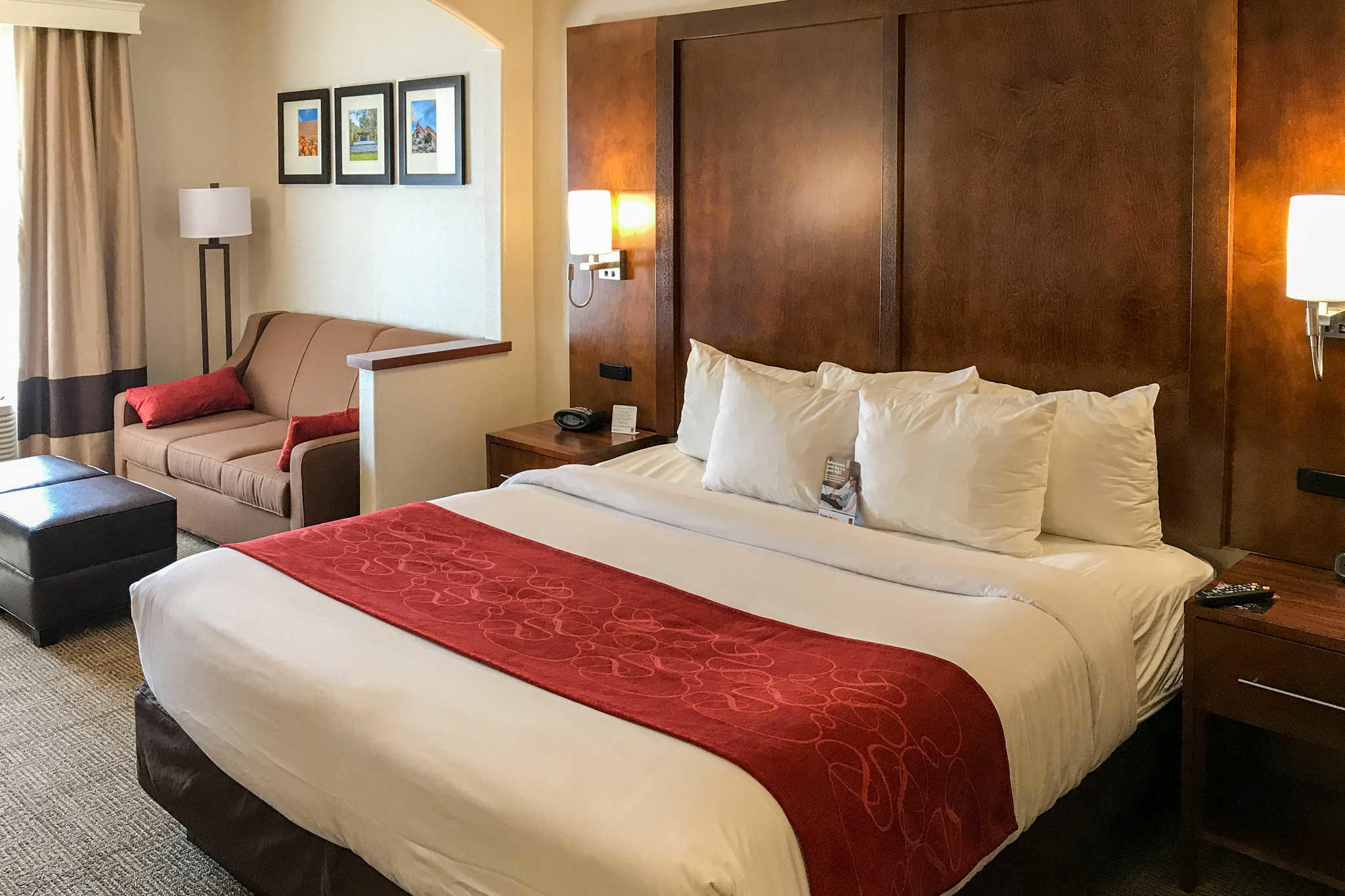 Comfort Suites Near Six Flags Magic Mountain image 0