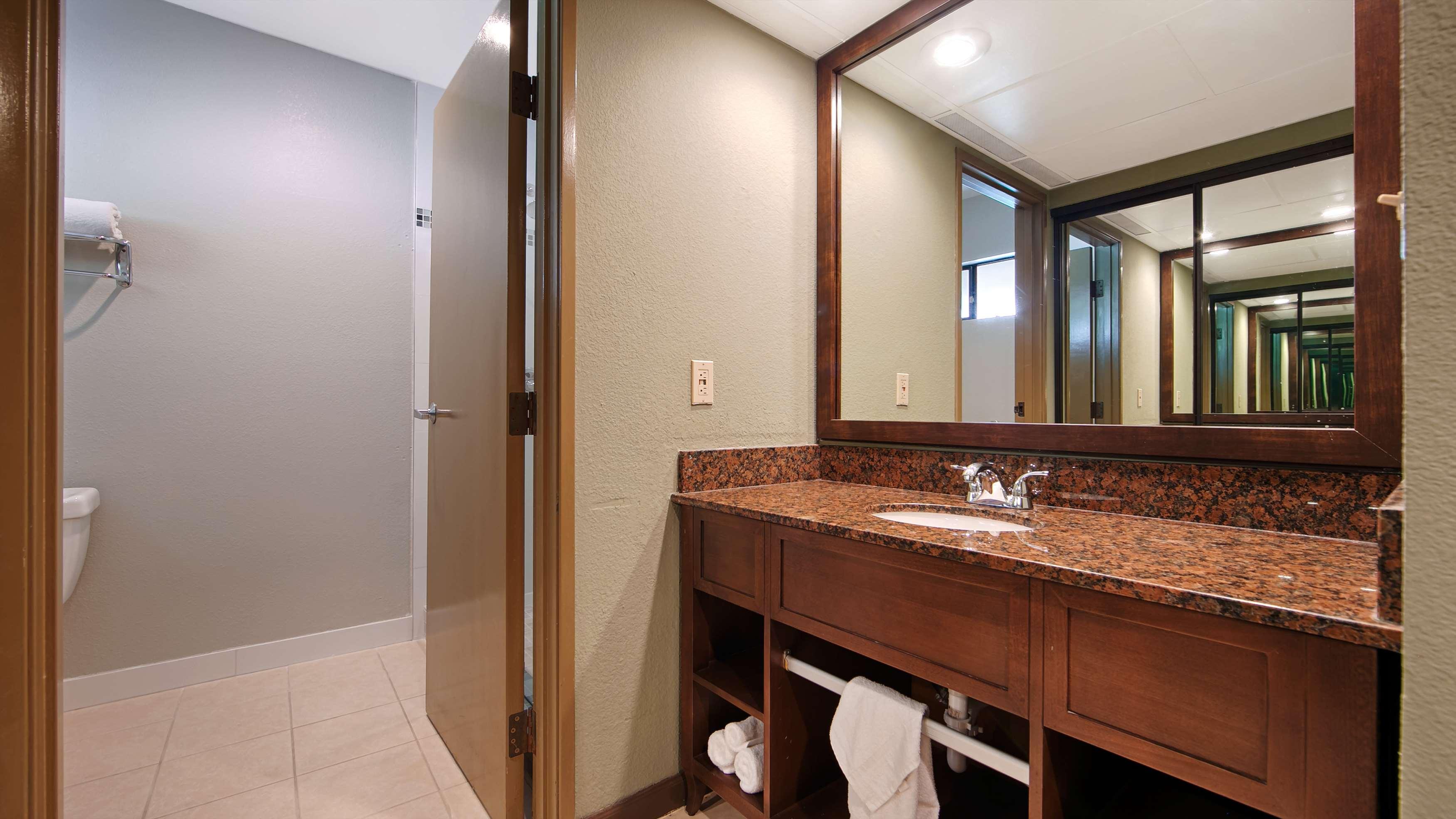 Best Western Encinitas Inn & Suites at Moonlight Beach image 23