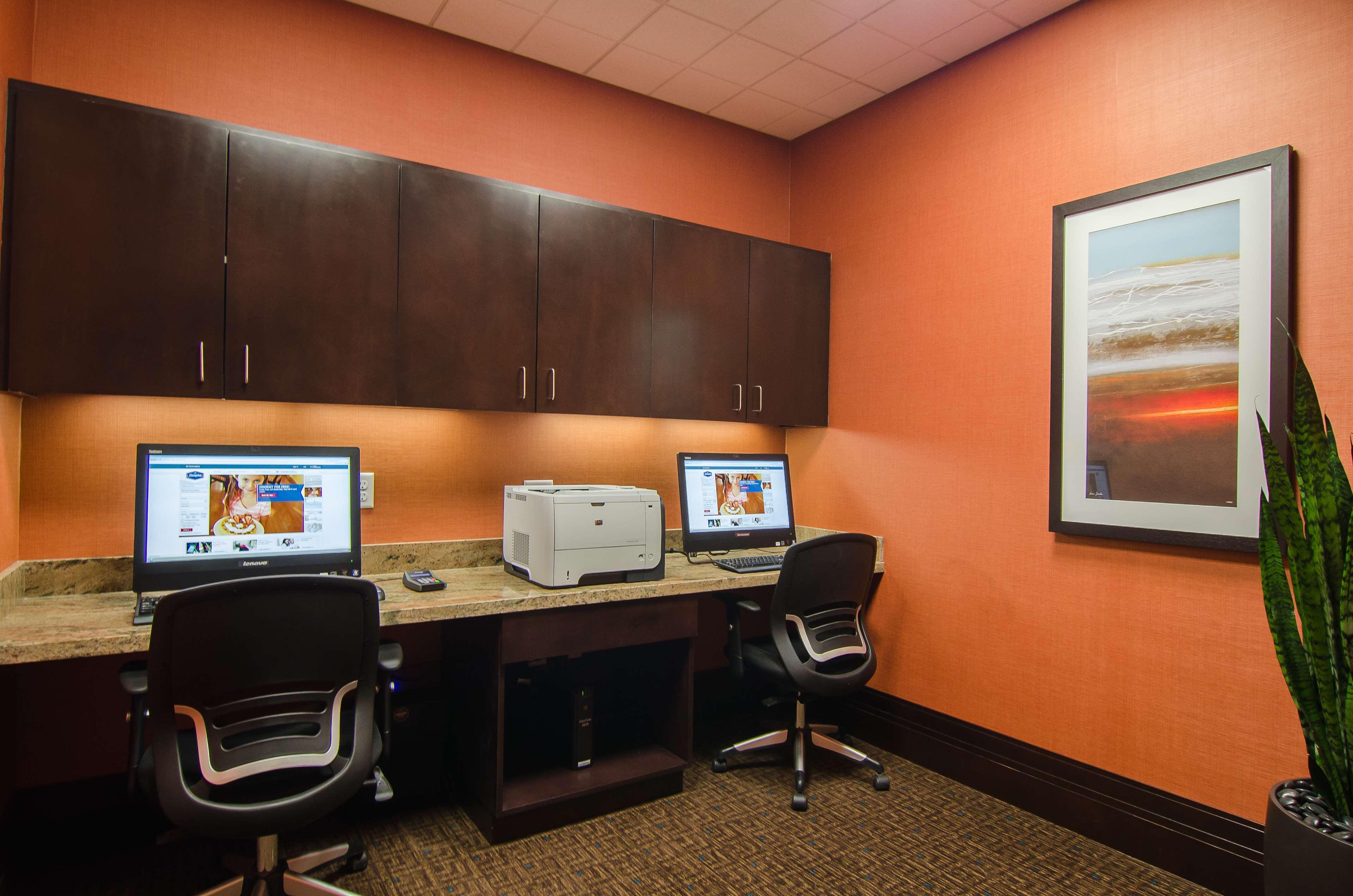 Hampton Inn & Suites Houston North IAH image 22