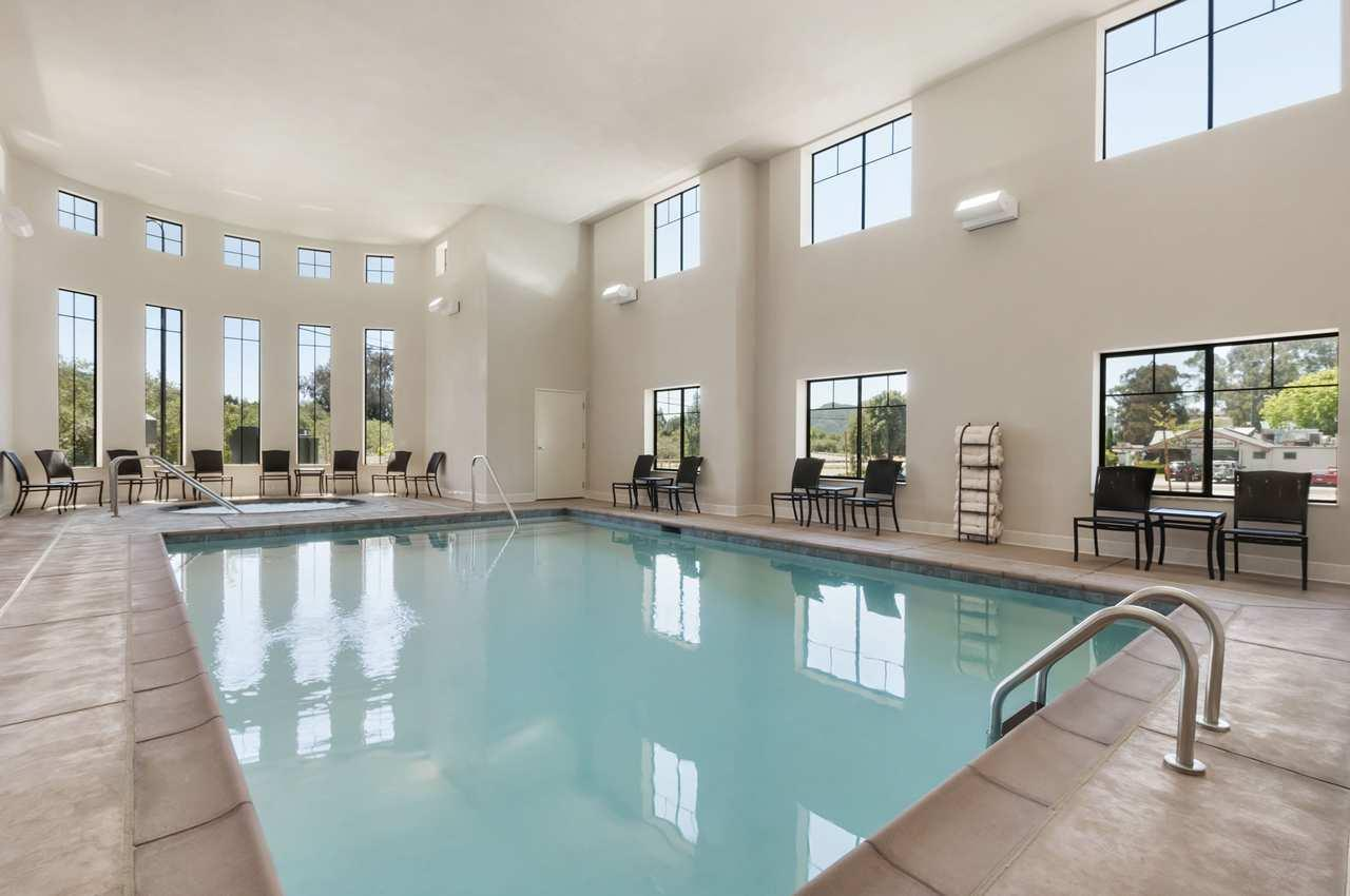 Hampton Inn & Suites San Luis Obispo image 4