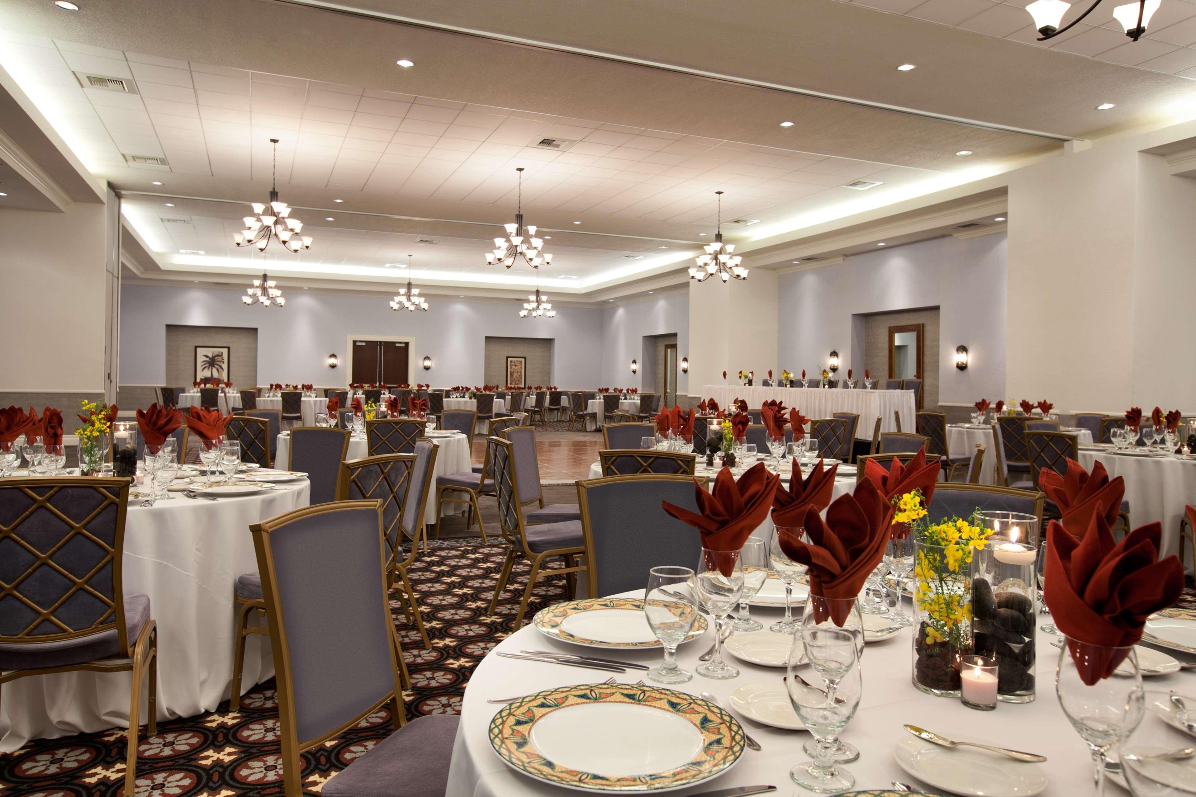 Embassy Suites by Hilton La Quinta Hotel & Spa image 33