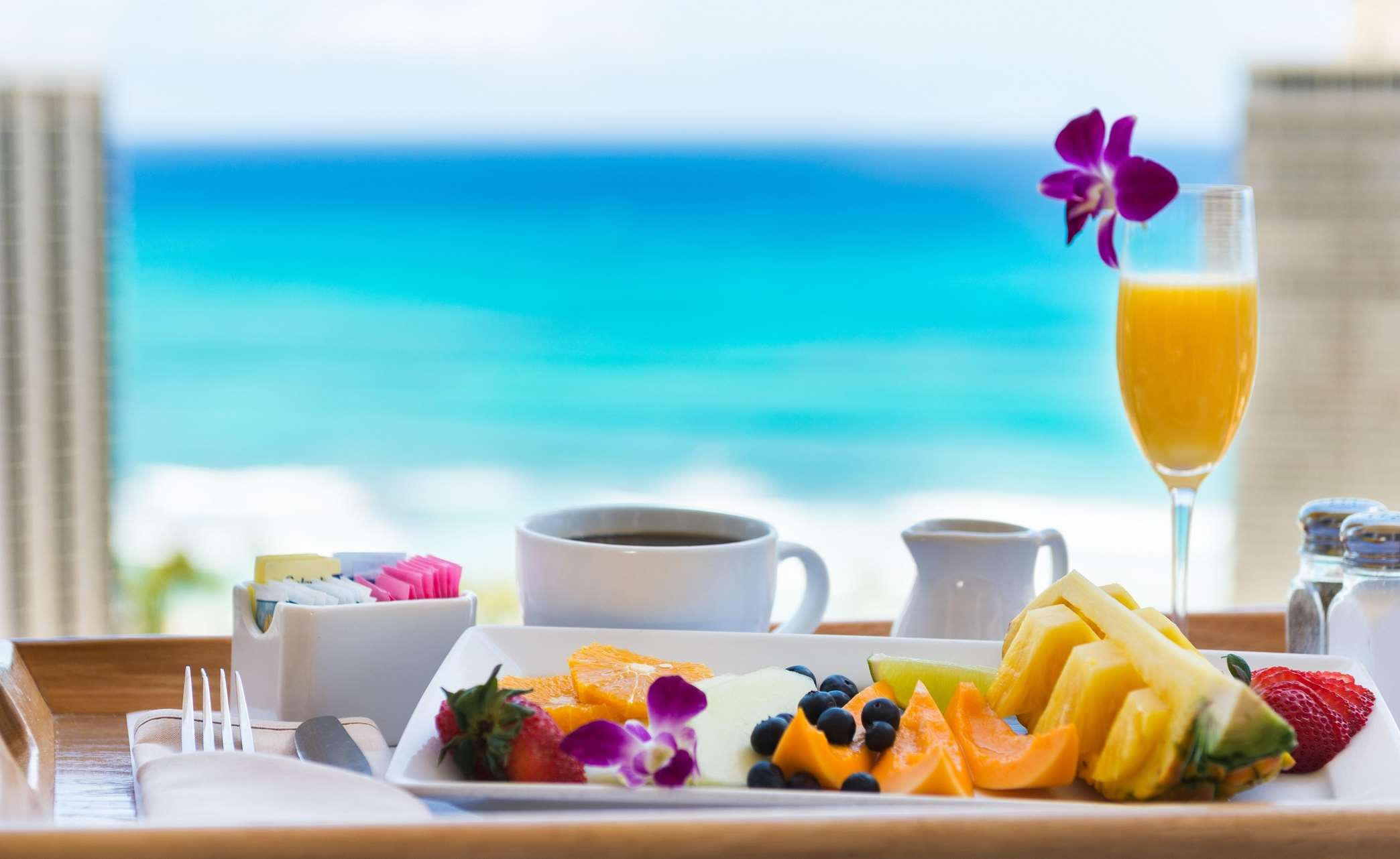 Hilton Waikiki Beach image 6