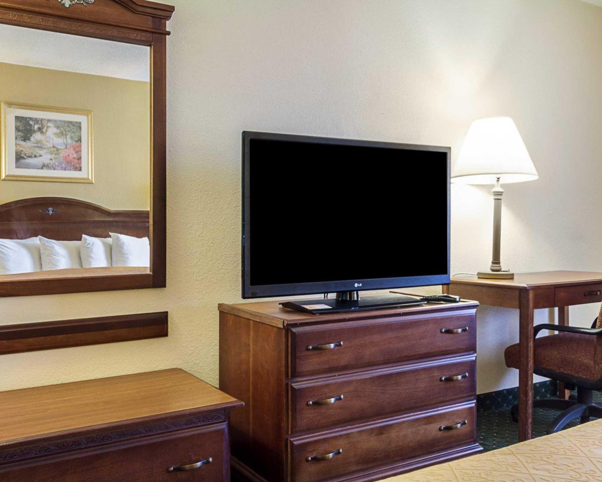 Quality Inn & Suites Southwest image 30