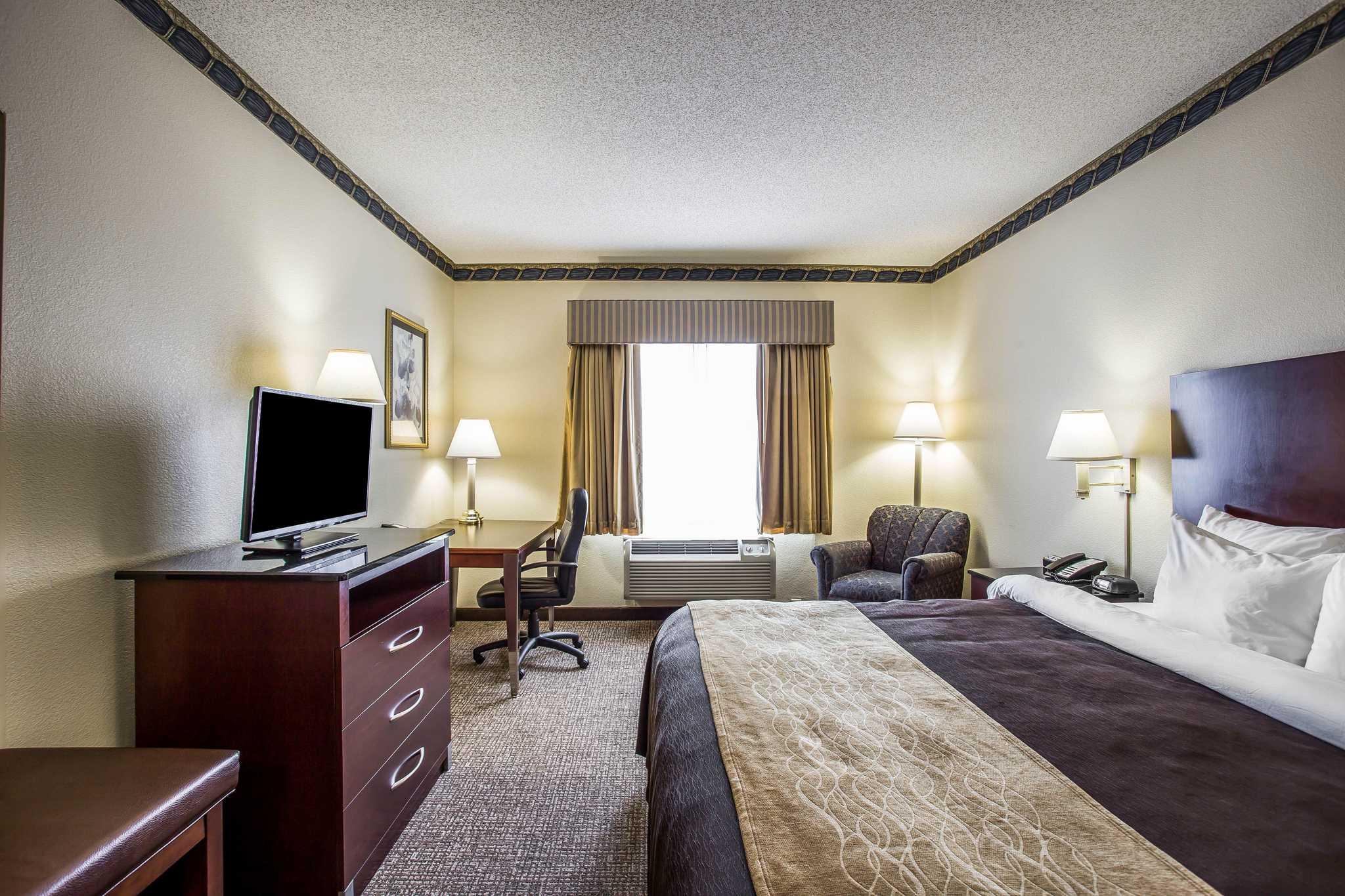 Comfort Inn & Suites Ft.Jackson Maingate image 7