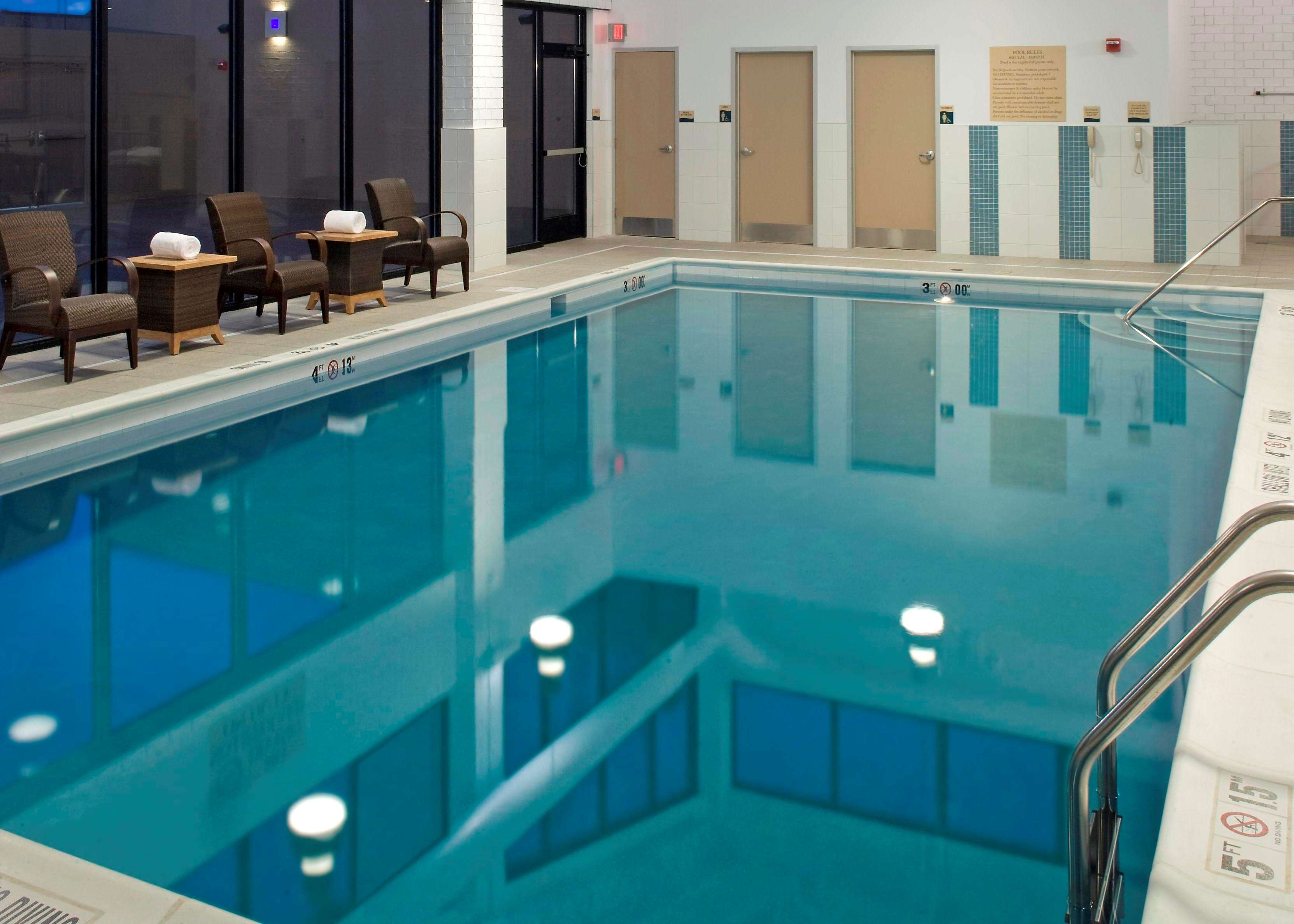 DoubleTree by Hilton Hotel Pittsburgh - Monroeville Convention Center image 4