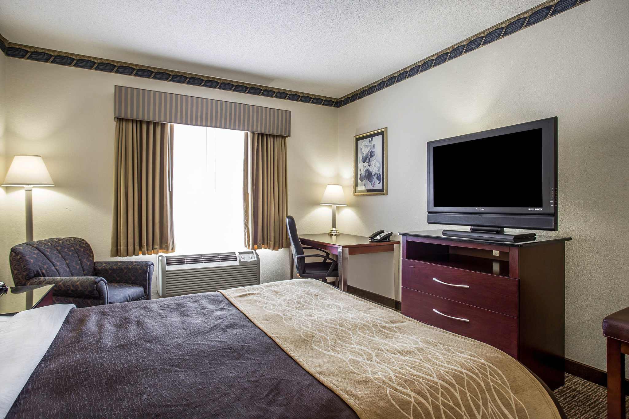 Comfort Inn & Suites Ft.Jackson Maingate image 4
