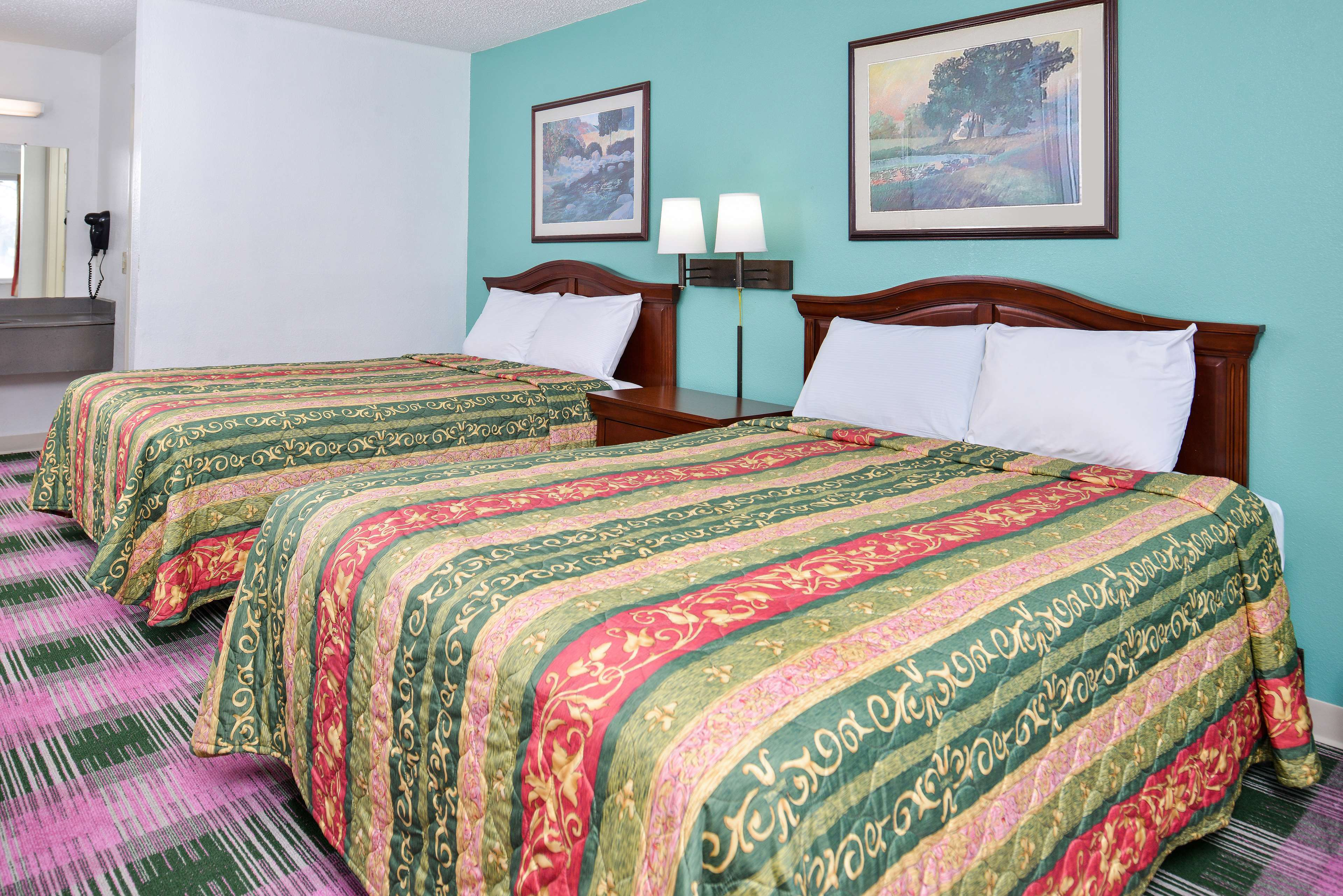 Americas Best Value Inn - Indy South image 11