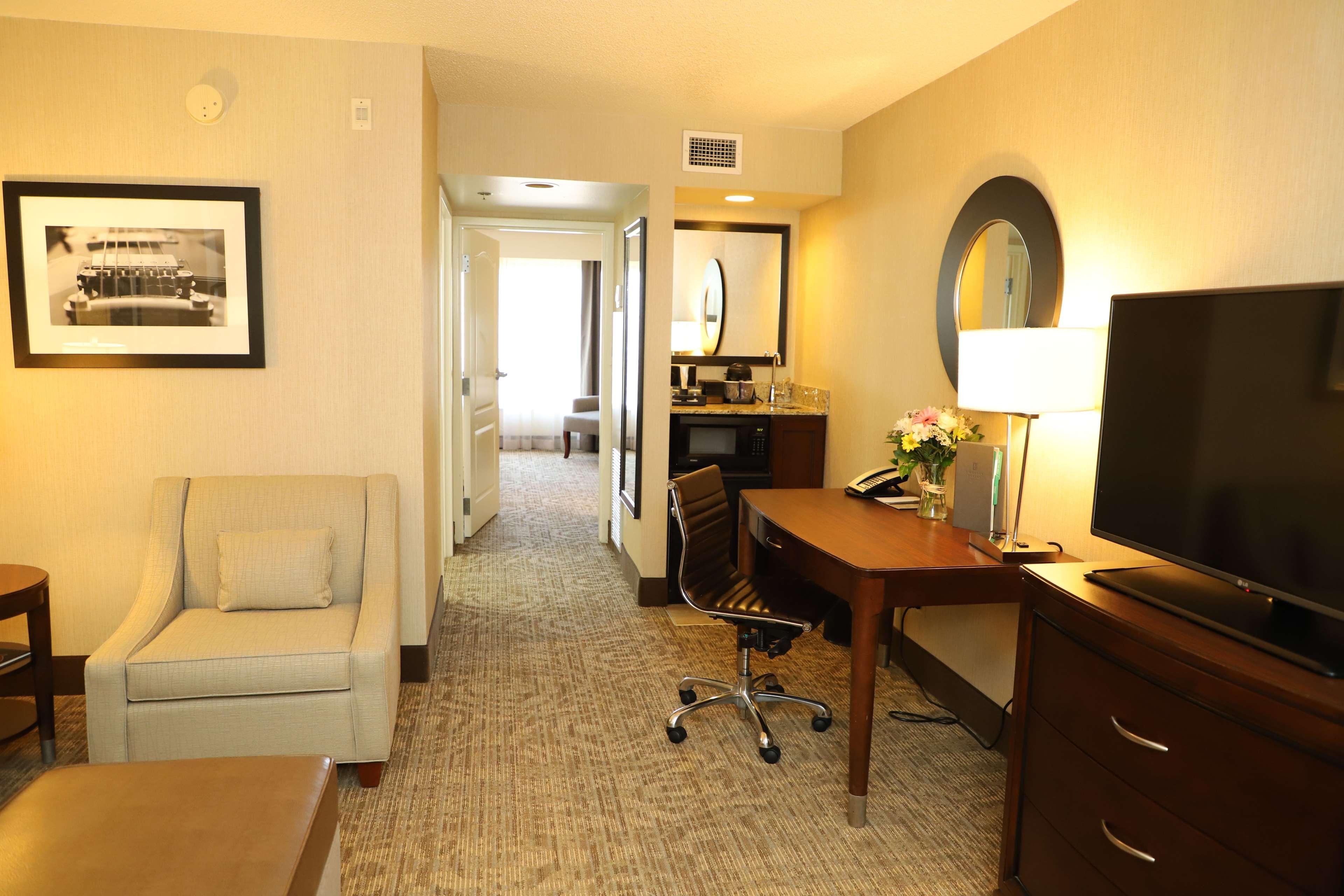 Embassy Suites by Hilton Nashville at Vanderbilt image 32