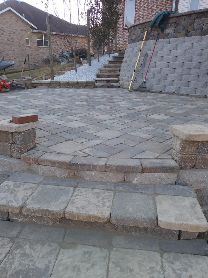 Two Stallions Landscaping image 1