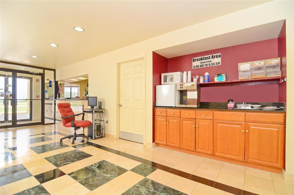 Americas Best Value Inn & Suites Smithville image 4