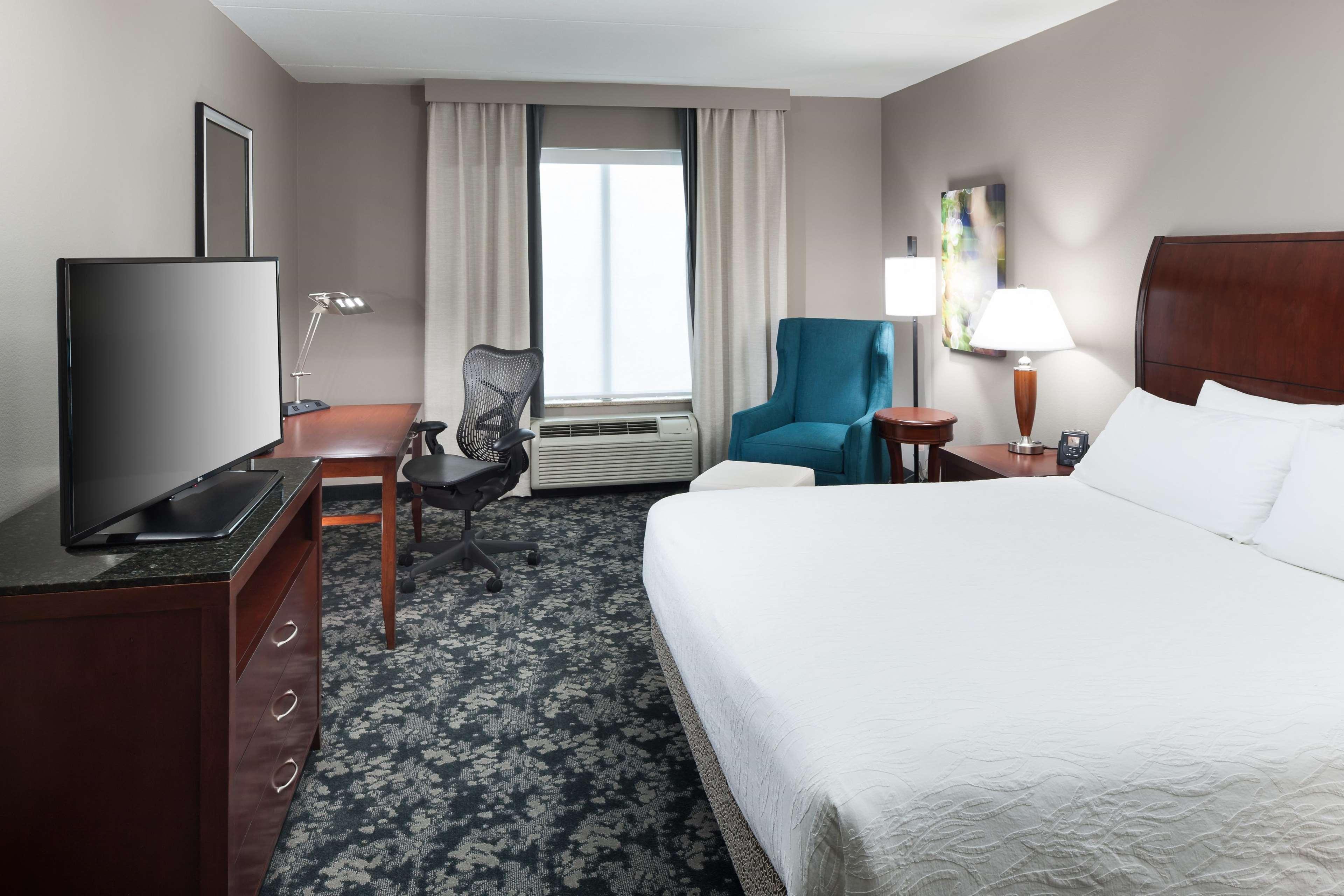 Hilton Garden Inn Frisco image 3