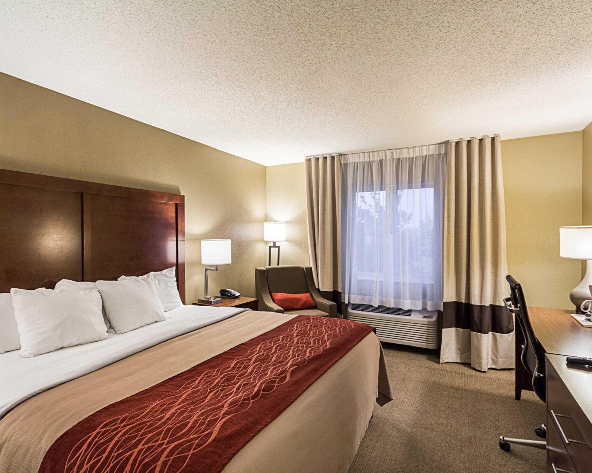 Comfort Inn East image 3