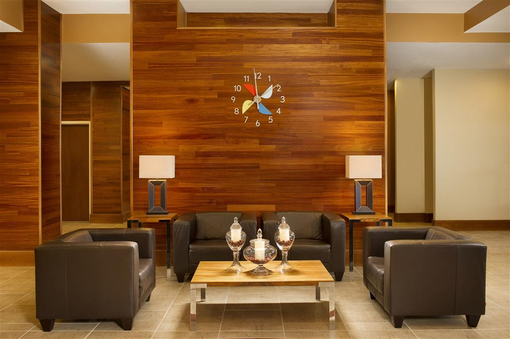 Four Points by Sheraton Jacksonville Baymeadows image 2
