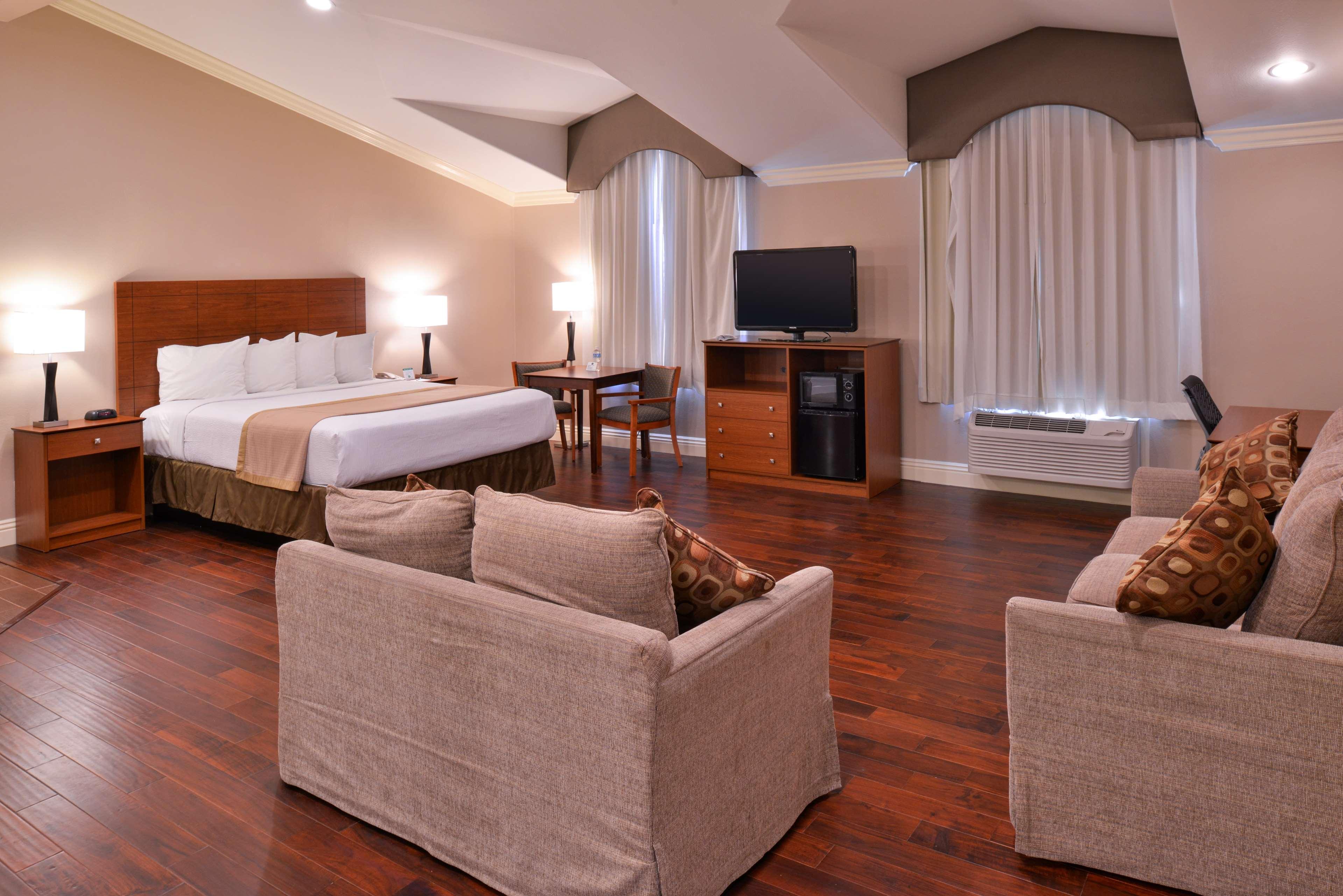 Best Western Oxnard Inn image 26