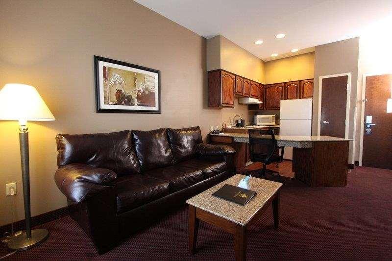 Best Western Plus Hannaford Inn & Suites image 21