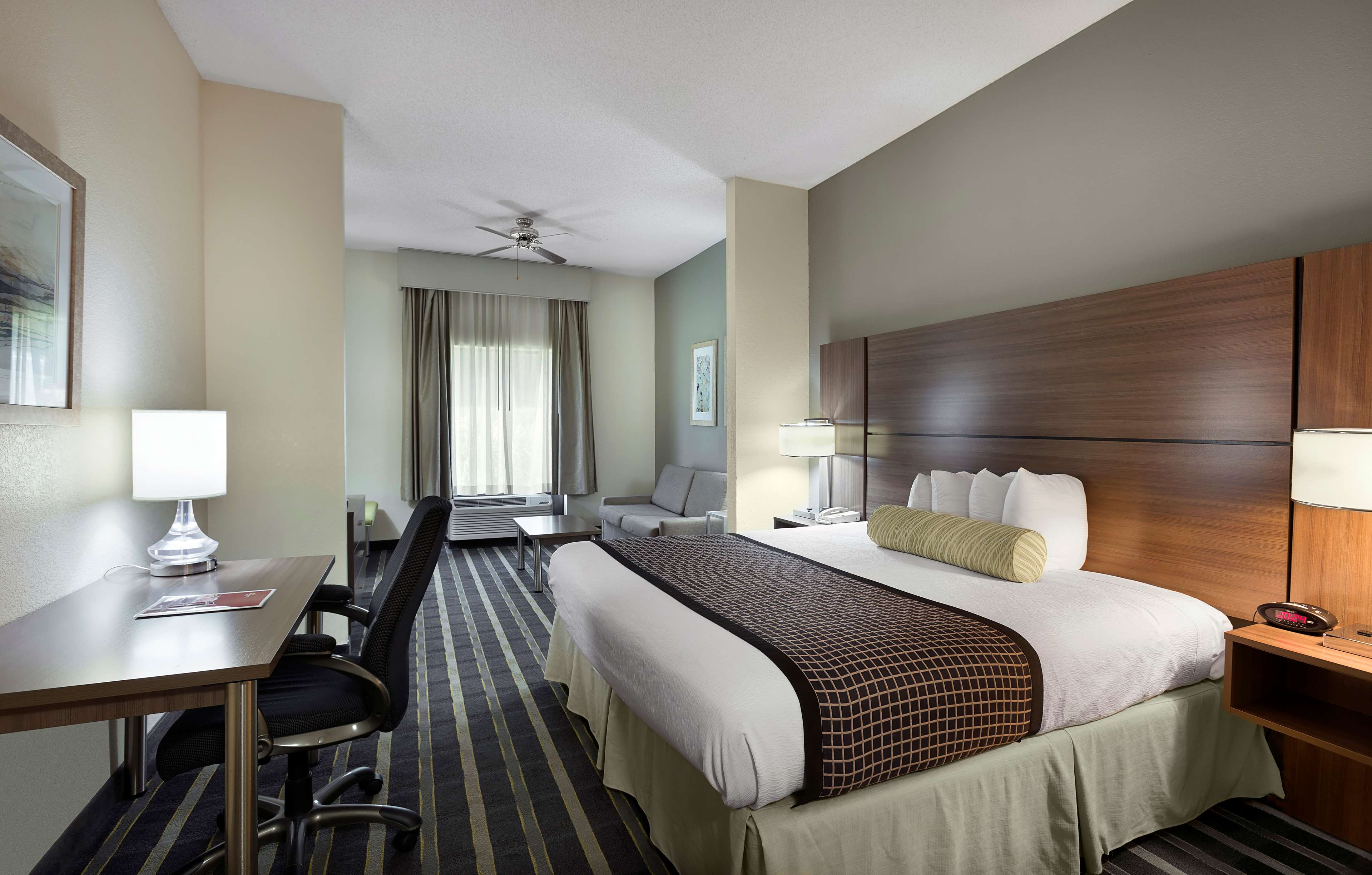 Best Western Plus Hotel & Suites Airport South image 14