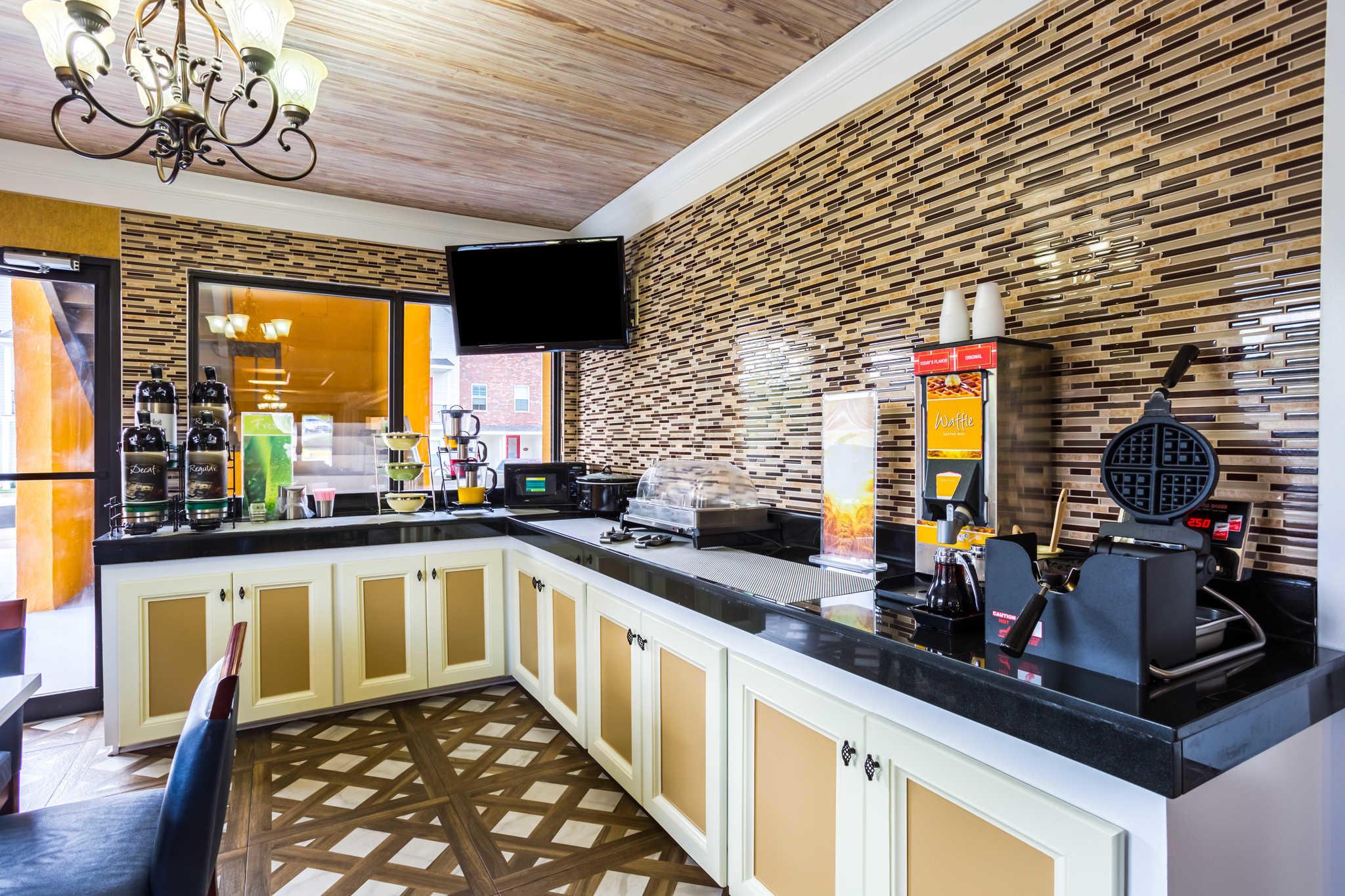 Quality Inn & Suites image 35
