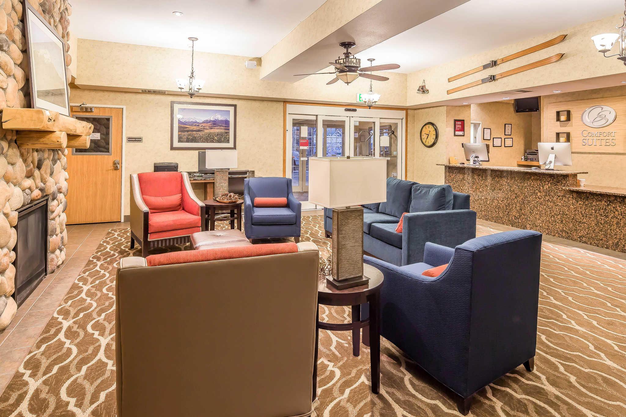Comfort Suites Anchorage International Airport image 32
