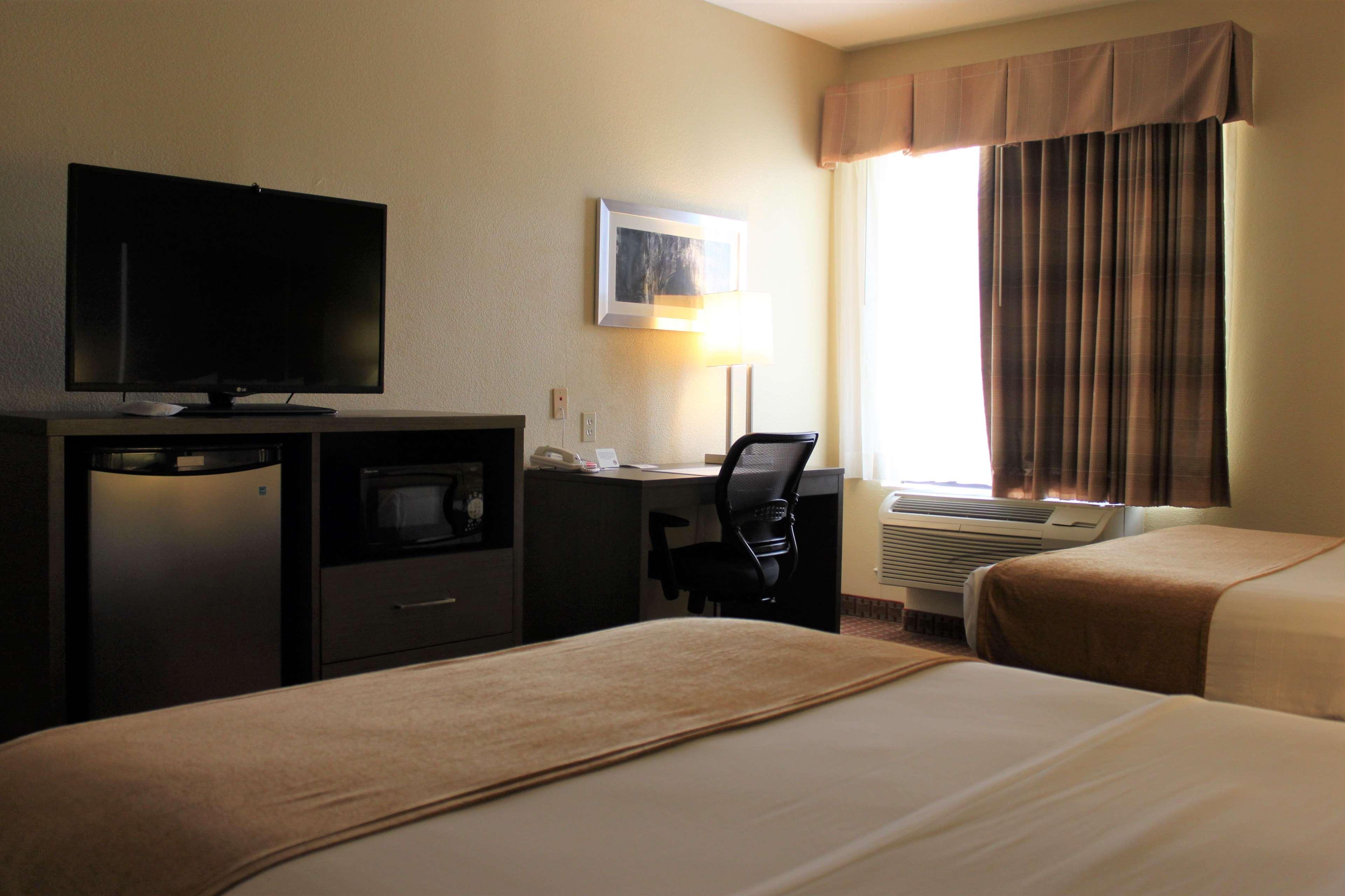 Best Western Plus North Houston Inn & Suites image 25