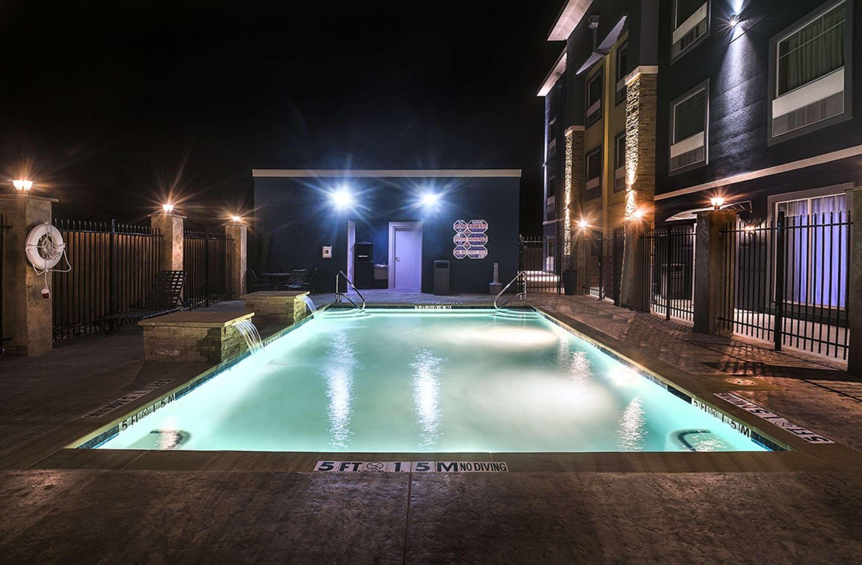 Best Western Plus Lampasas Inn & Suites image 11