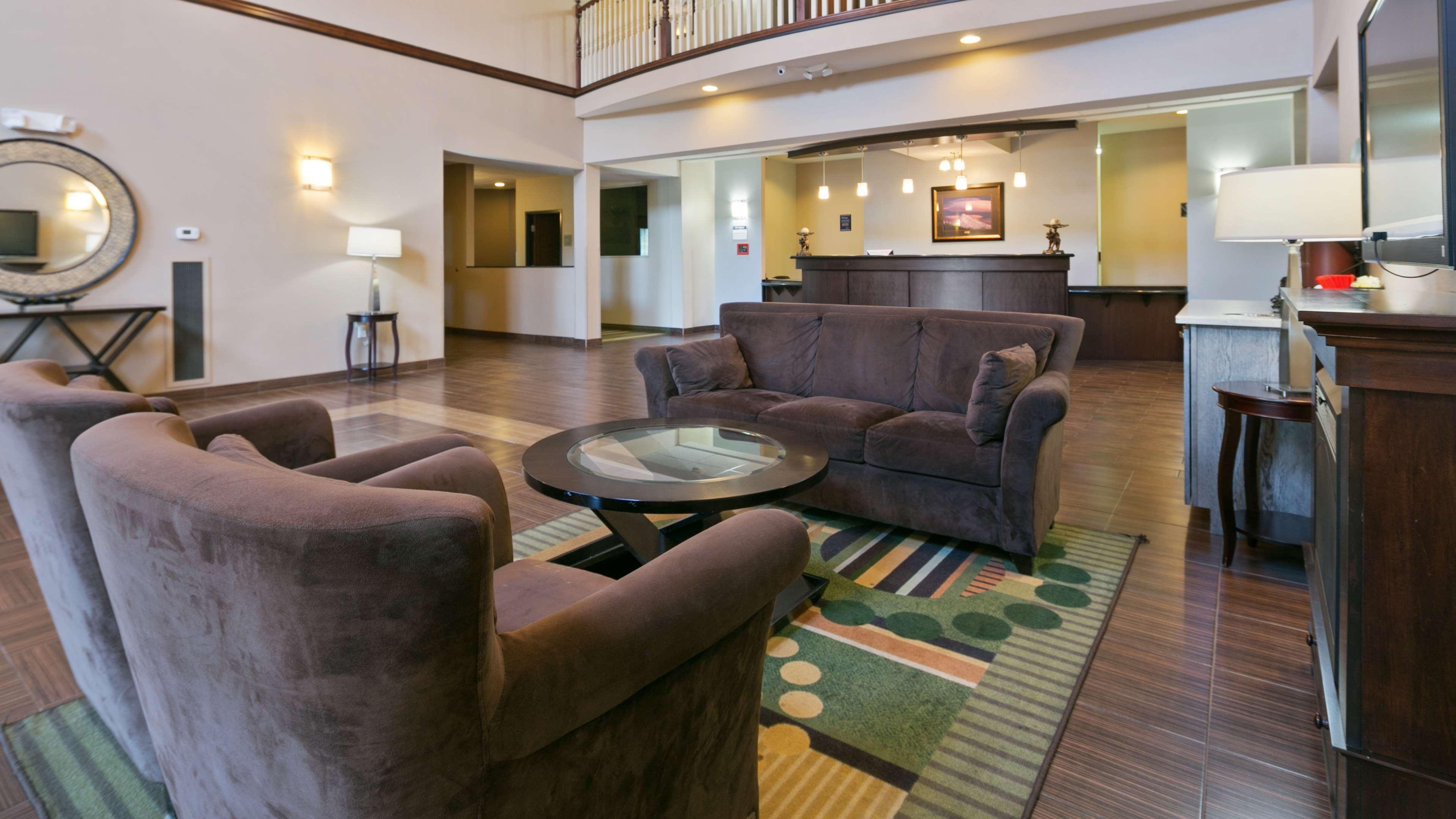 Best Western Plus Parkersville Inn & Suites image 3