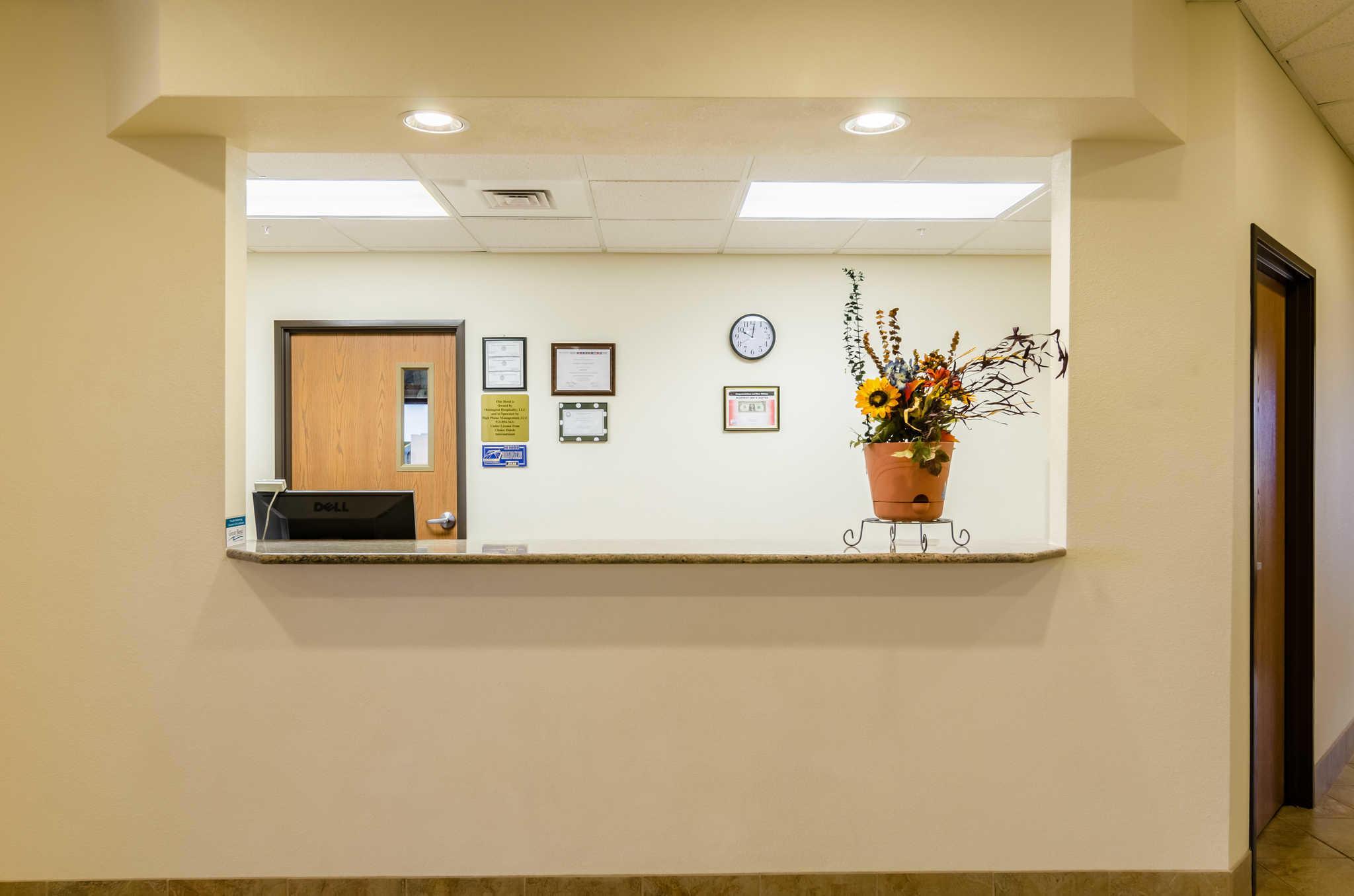 Rodeway Inn & Suites image 4