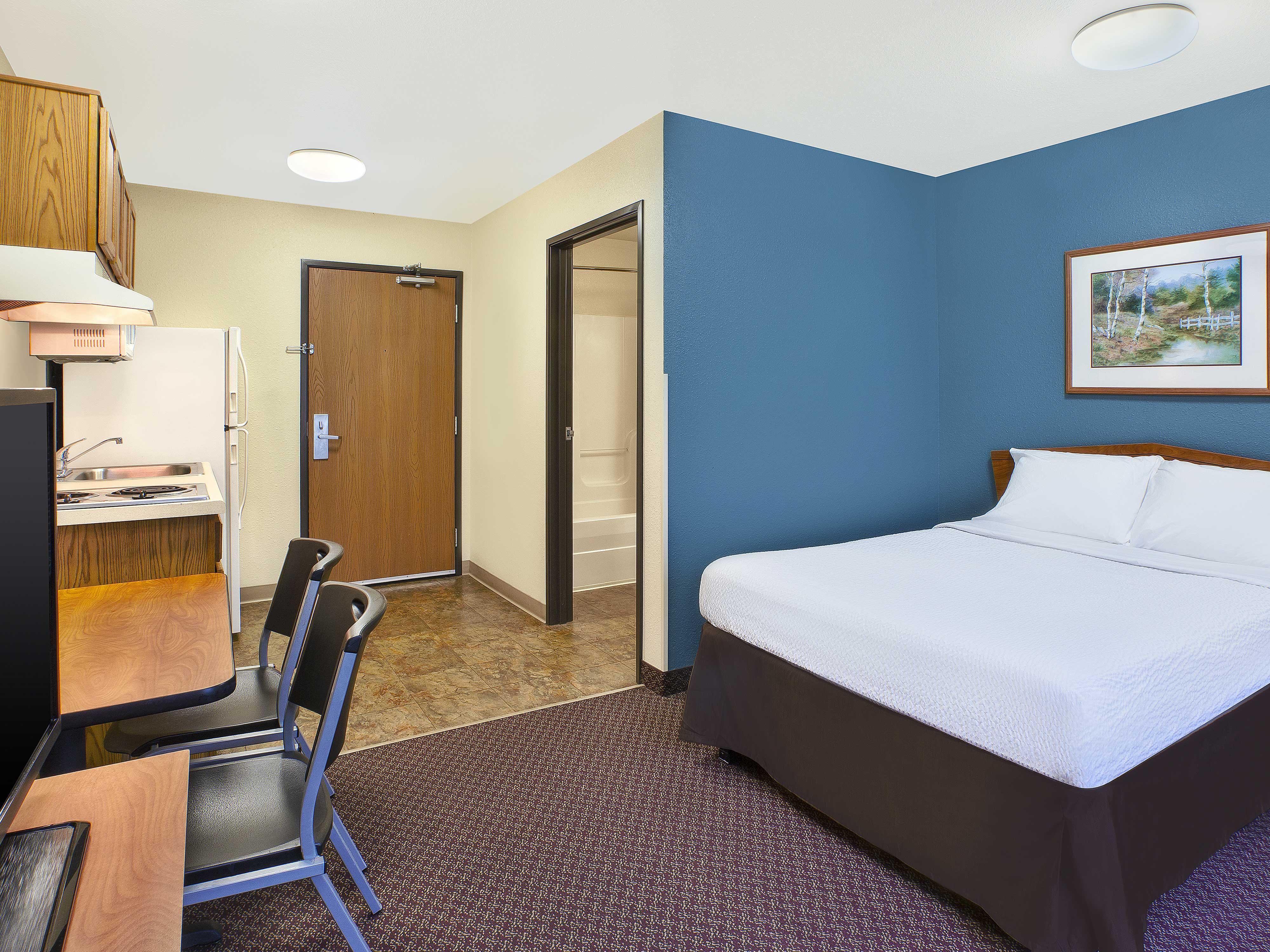 WoodSpring Suites Grand Rapids Holland image 2