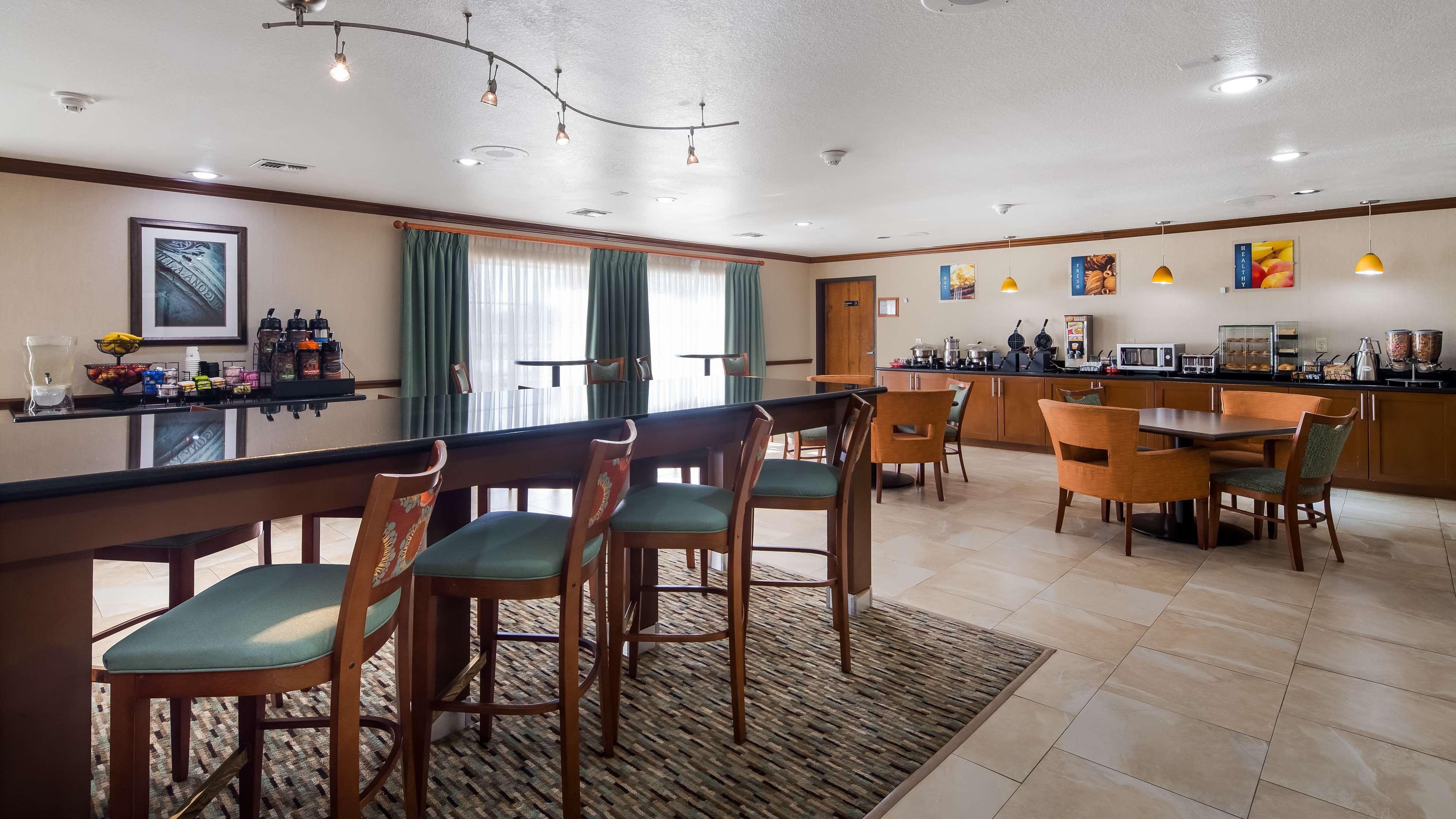 Best Western Plus Atrium Inn image 10