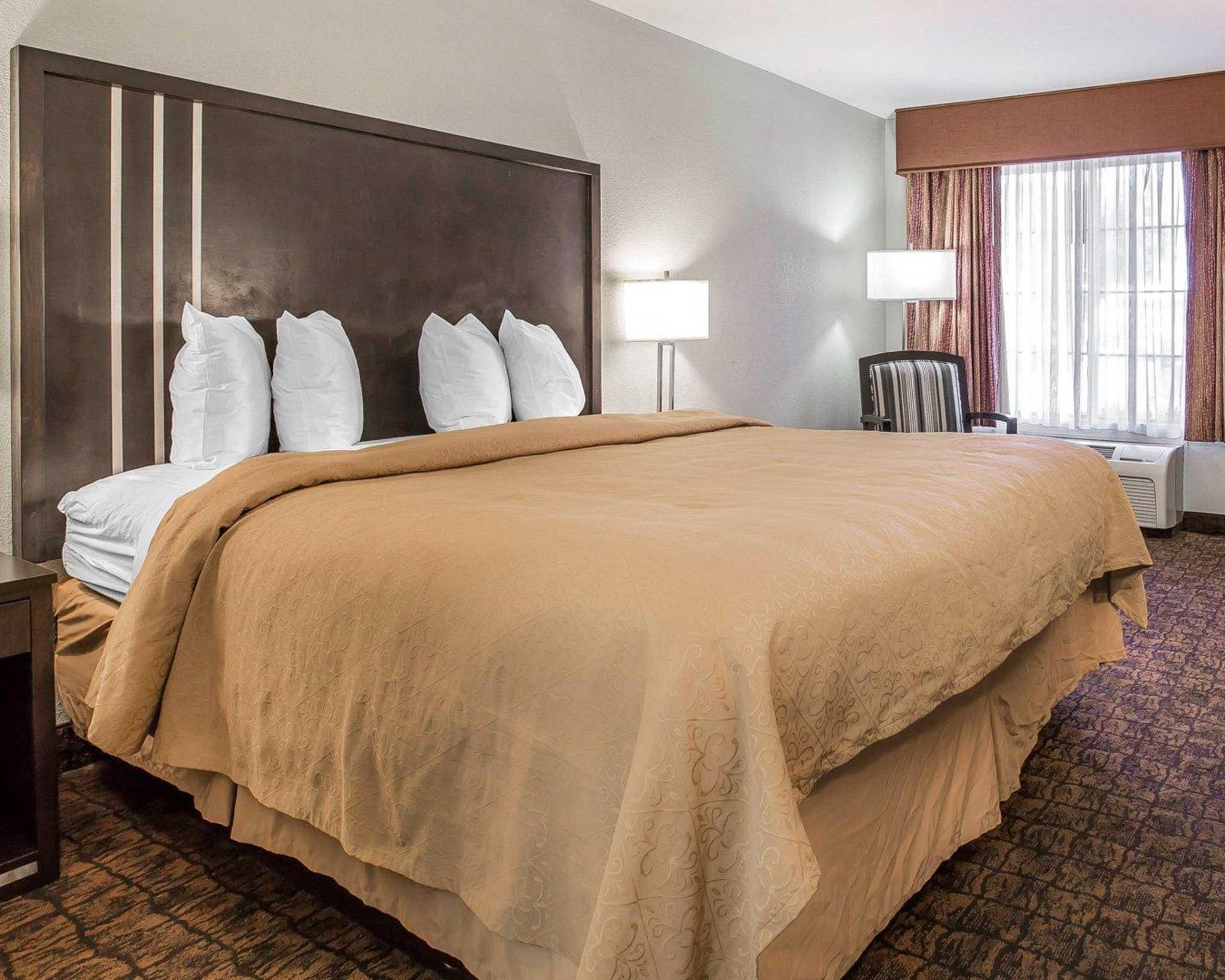 Quality Inn & Suites Woodland - Sacramento Airport image 11