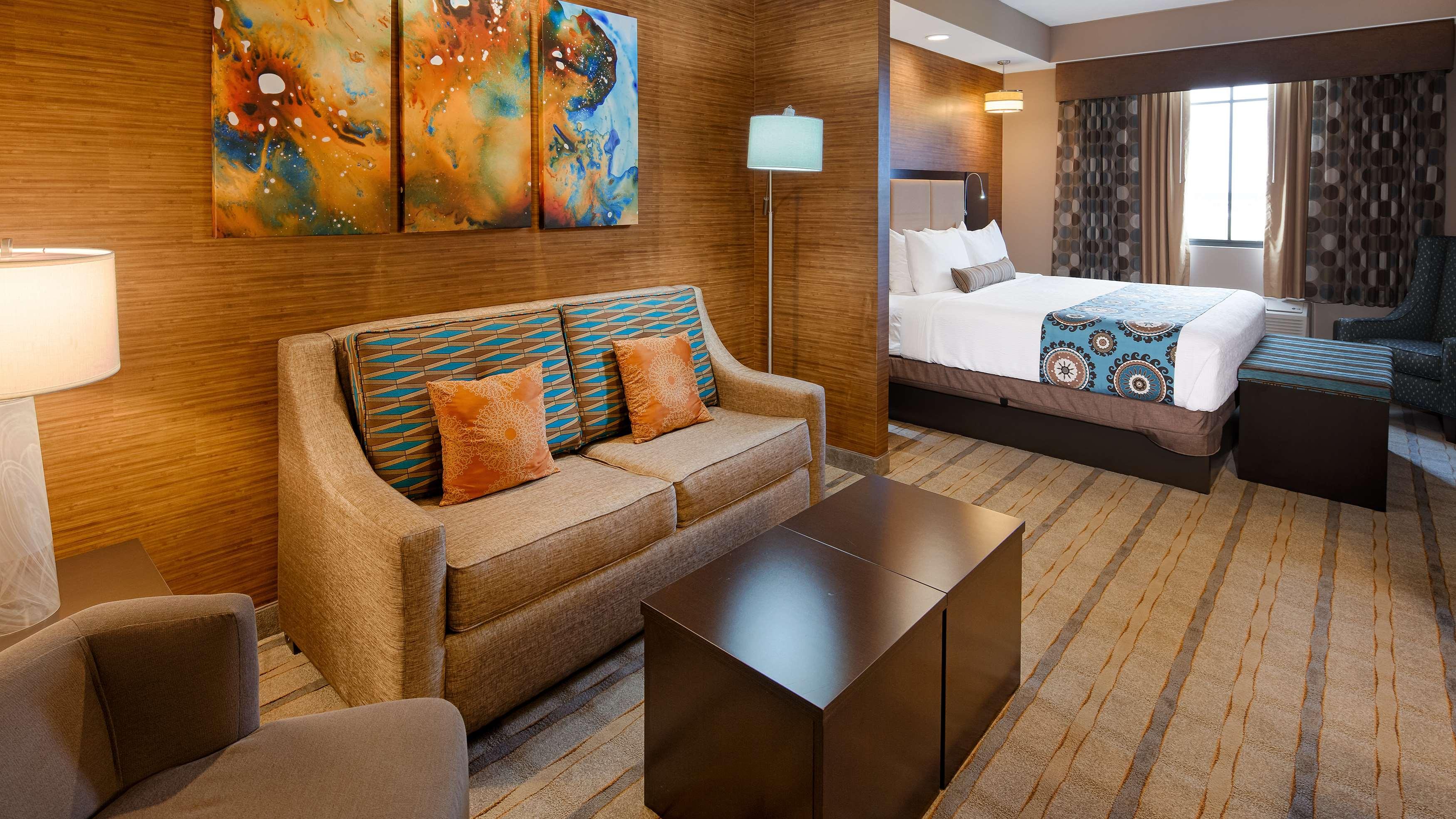 Best Western Plus Kendall Airport Hotel & Suites image 23