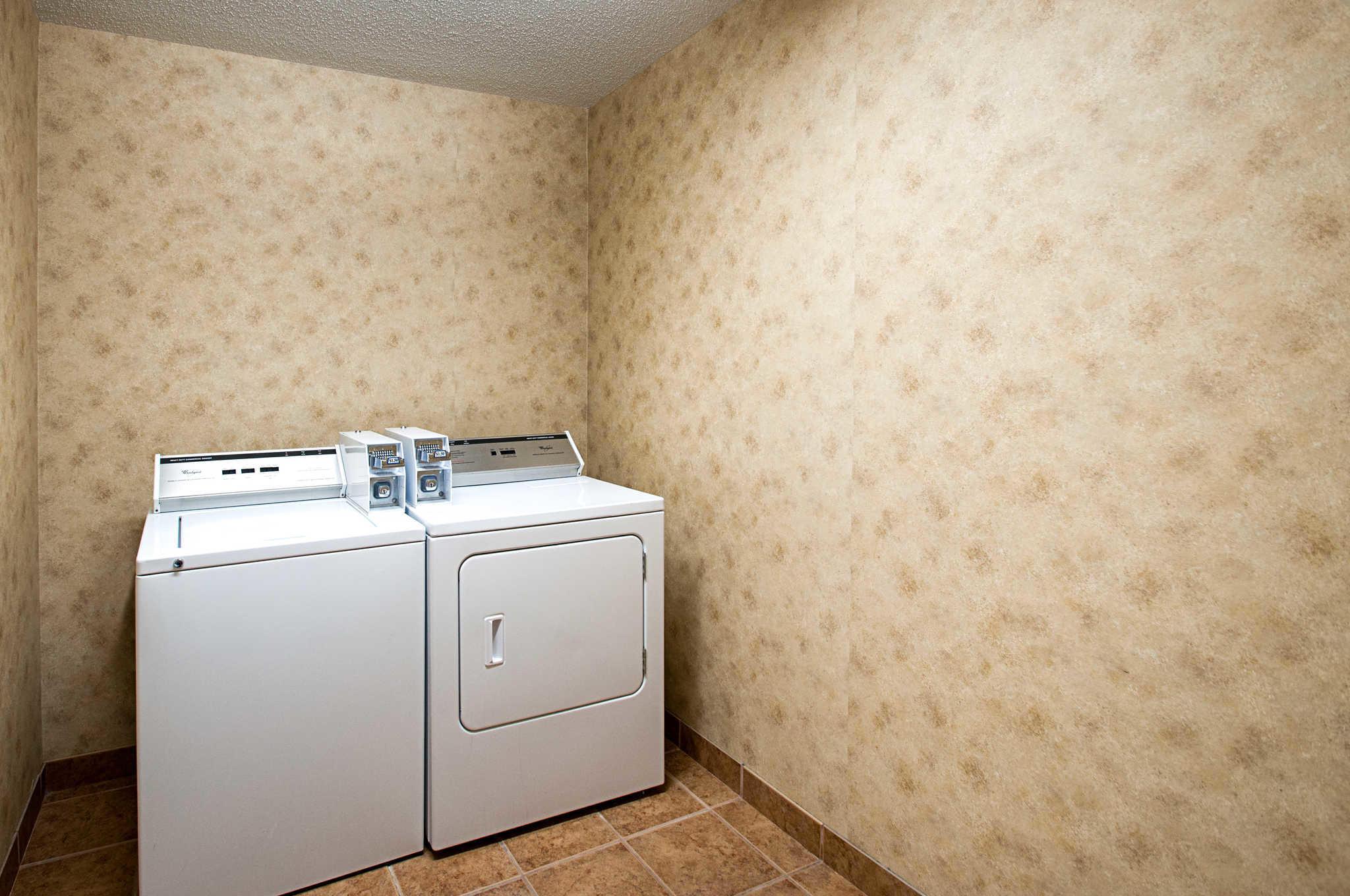 Comfort Inn & Suites Cambridge image 38