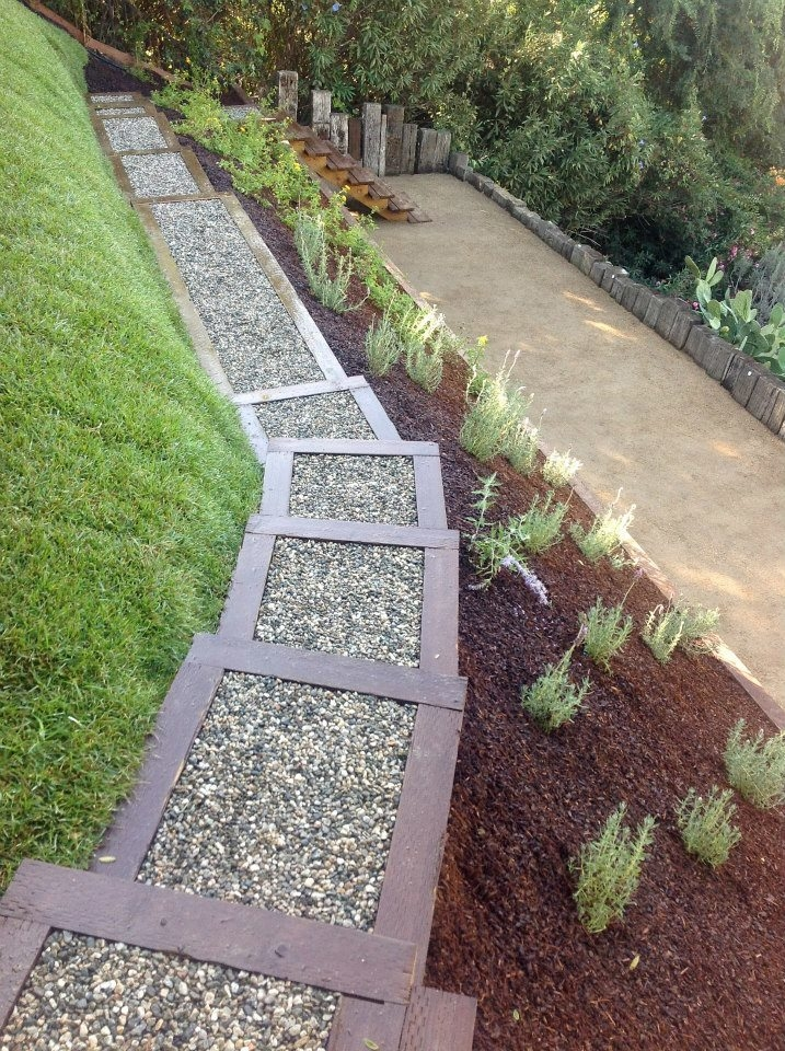 Flores Landscaping image 2
