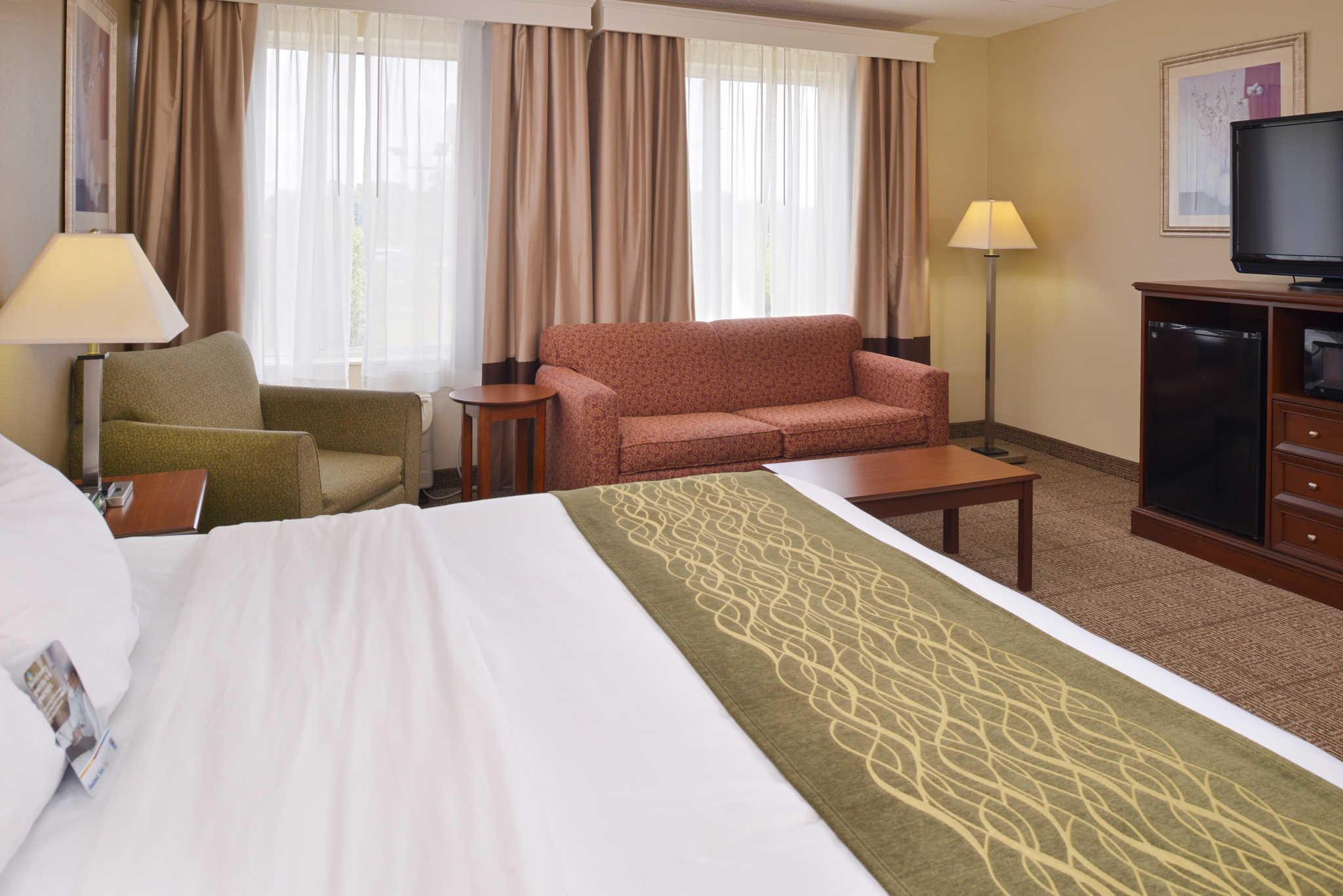 Comfort Inn image 11