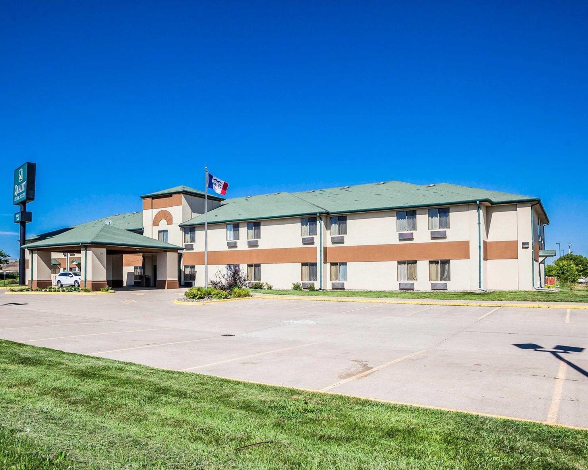 Quality Inn & Suites Altoona - Des Moines image 2