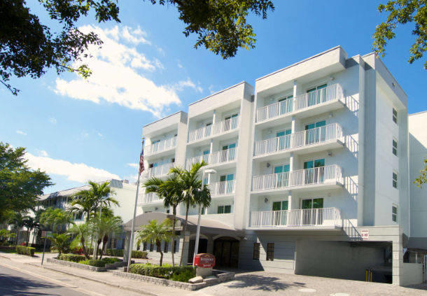 Residence inn by marriott miami coconut grove at 2835 for 2800 sw 28th terrace coconut grove florida 33133