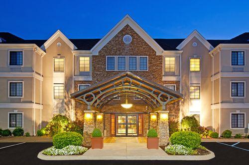 Staybridge Suites Louisville-East image 4
