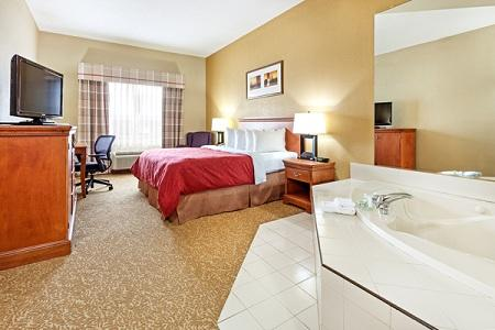 Country Inn & Suites by Radisson, Hinesville, GA image 2