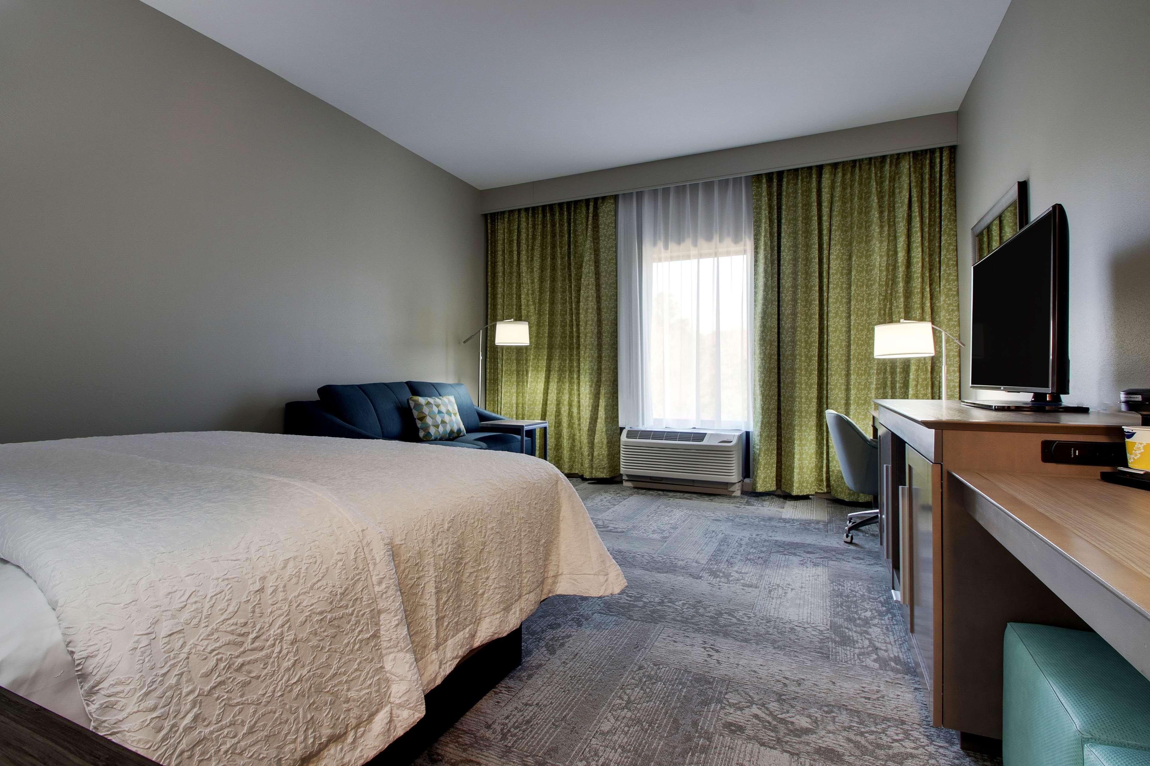 Hampton Inn & Suites Knightdale Raleigh image 31