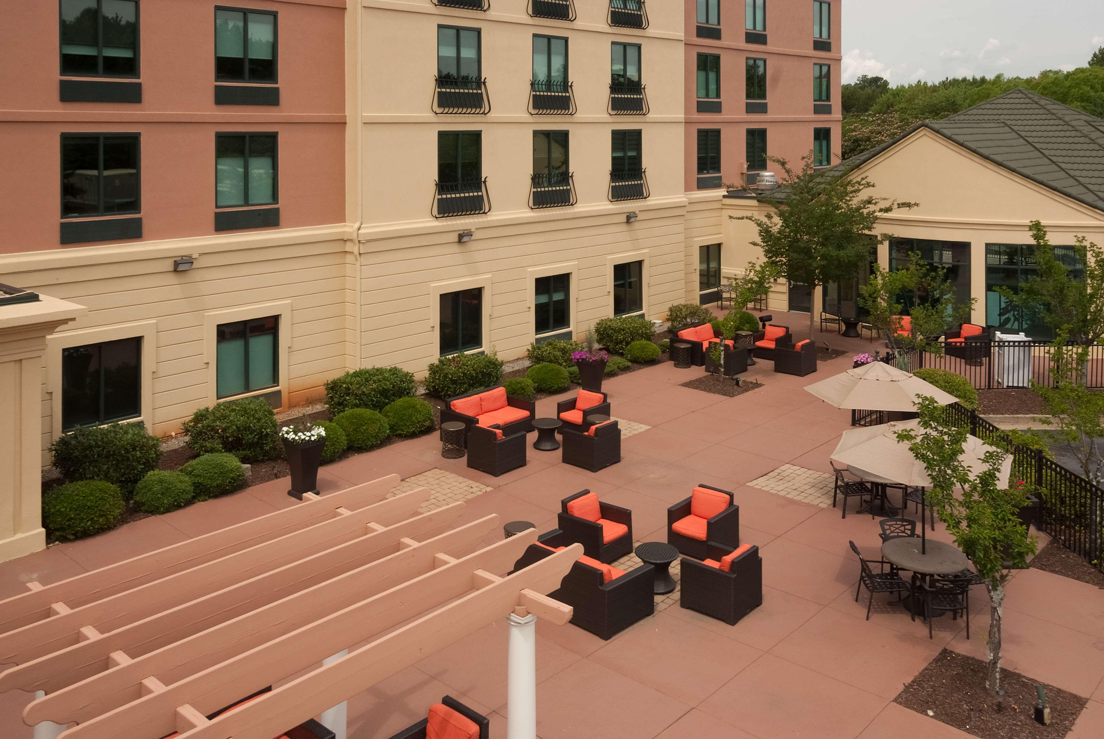 Hilton Garden Inn Atlanta Airport/Millenium Center image 0