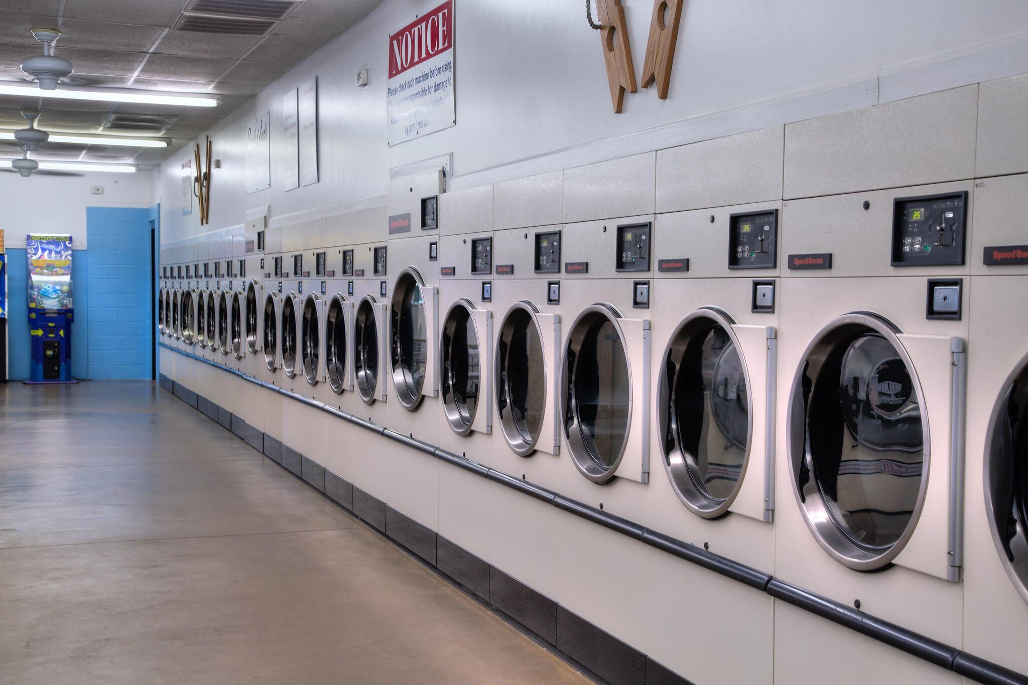 Duds N Suds Laundry image 12