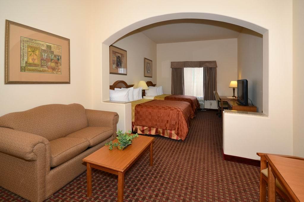 Best Western Casa Villa Suites image 18