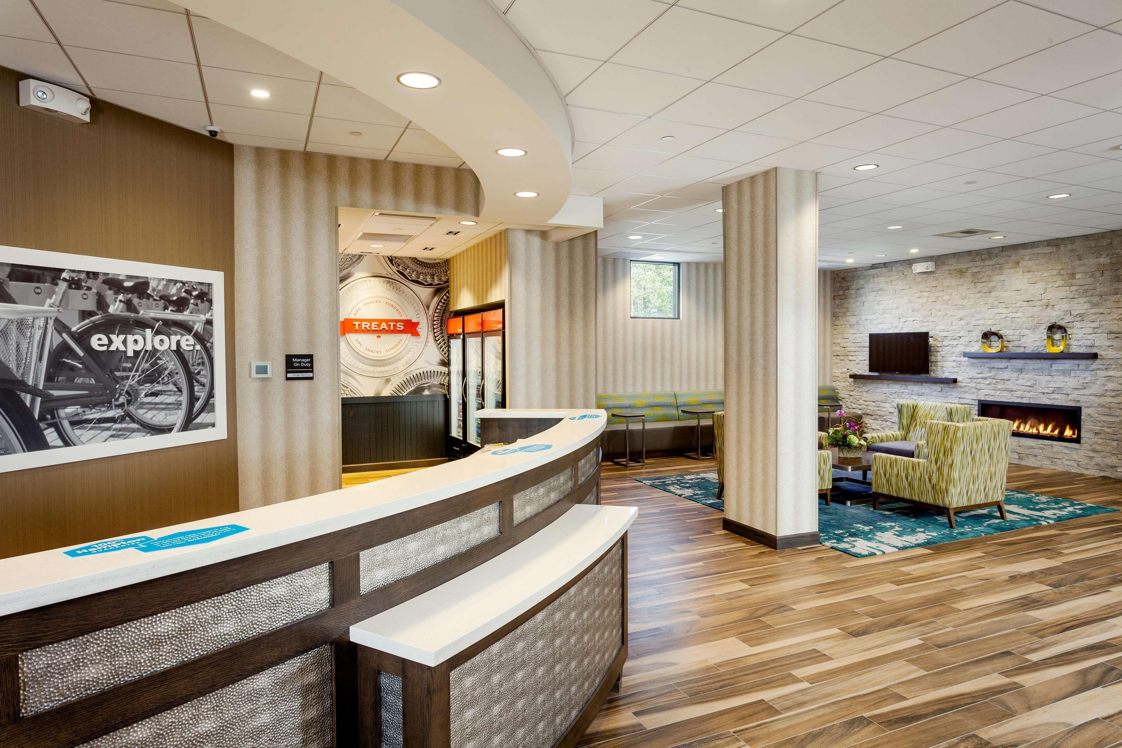 Hampton Inn & Suites by Hilton Seattle/Northgate image 30