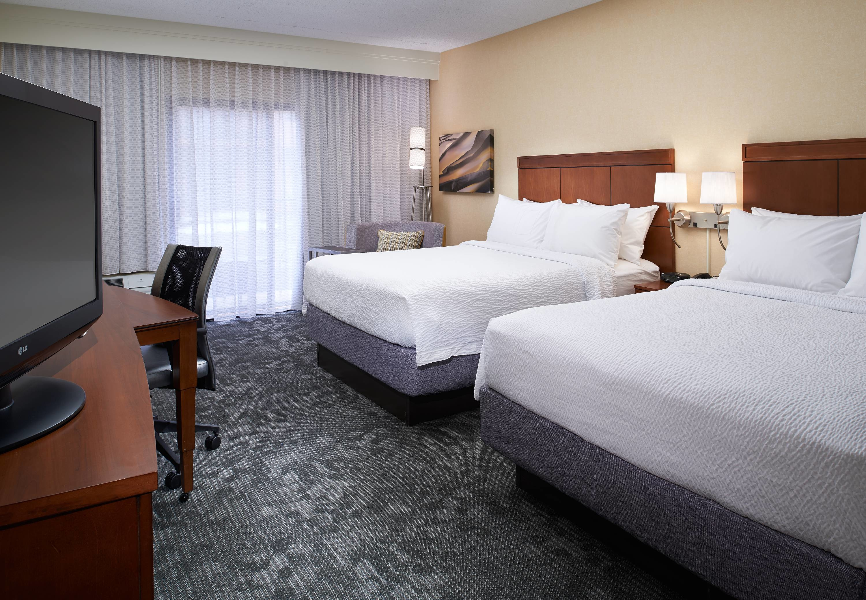 Courtyard by Marriott Detroit Dearborn image 25