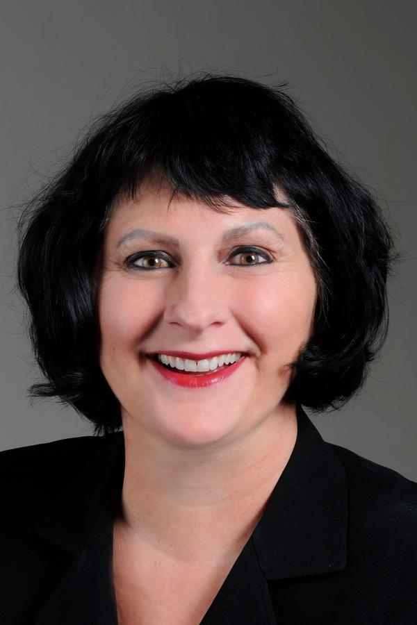 Edward Jones - Financial Advisor: Jessica Pavish, AAMS® in Everett, WA, photo #2