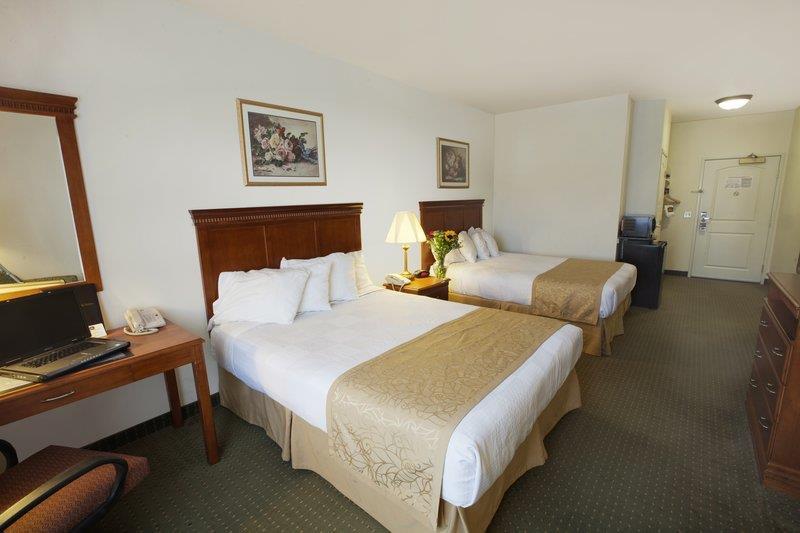 Best Western Plus Lake Elsinore Inn & Suites image 7