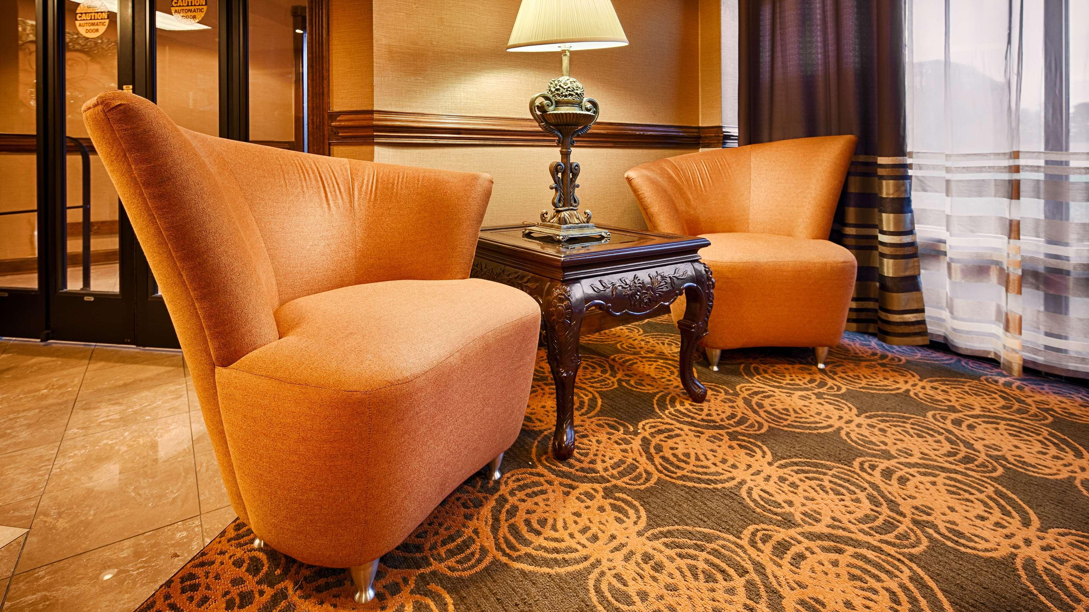 Best Western Plus Greensboro Airport Hotel image 3