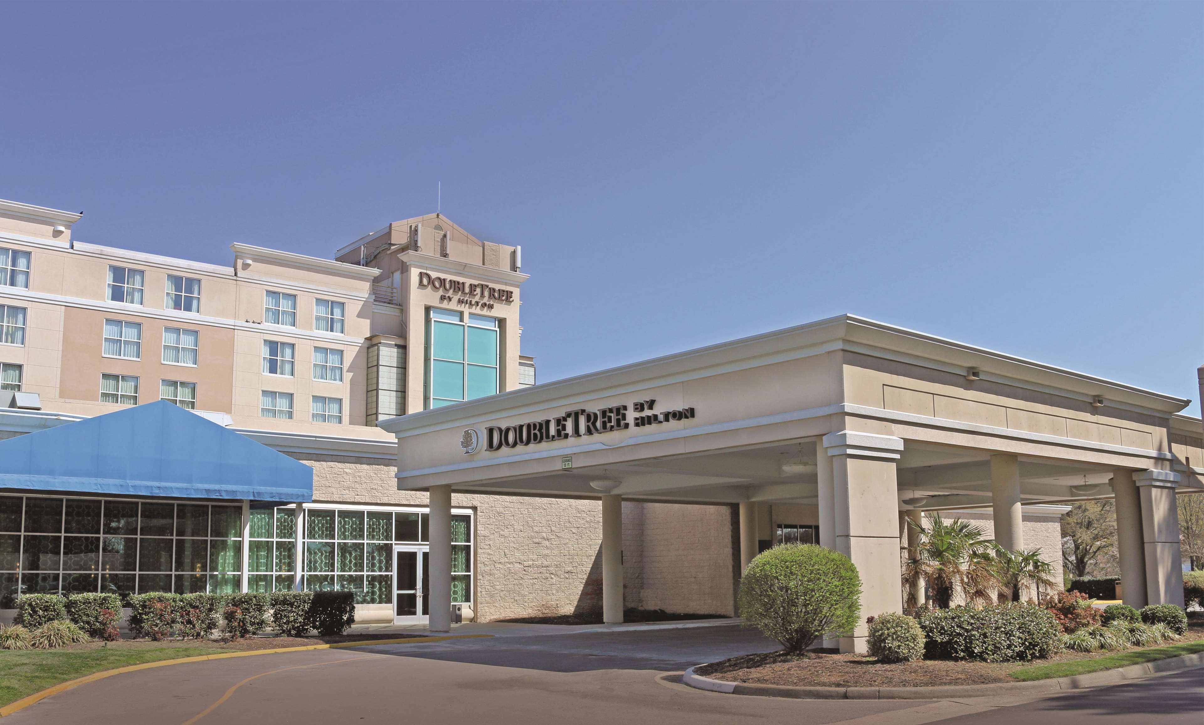 DoubleTree by Hilton Hotel Norfolk Airport image 0