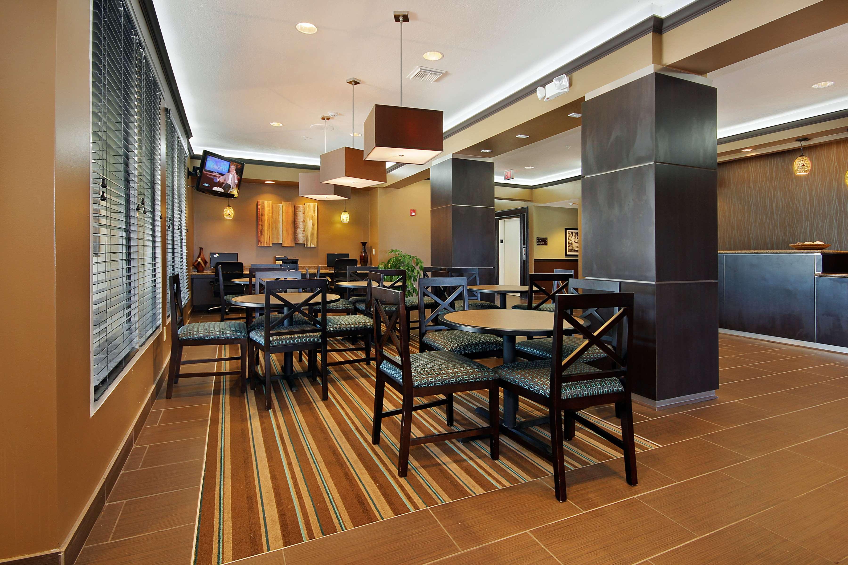 Best Western Plus Seawall Inn & Suites by the Beach image 19