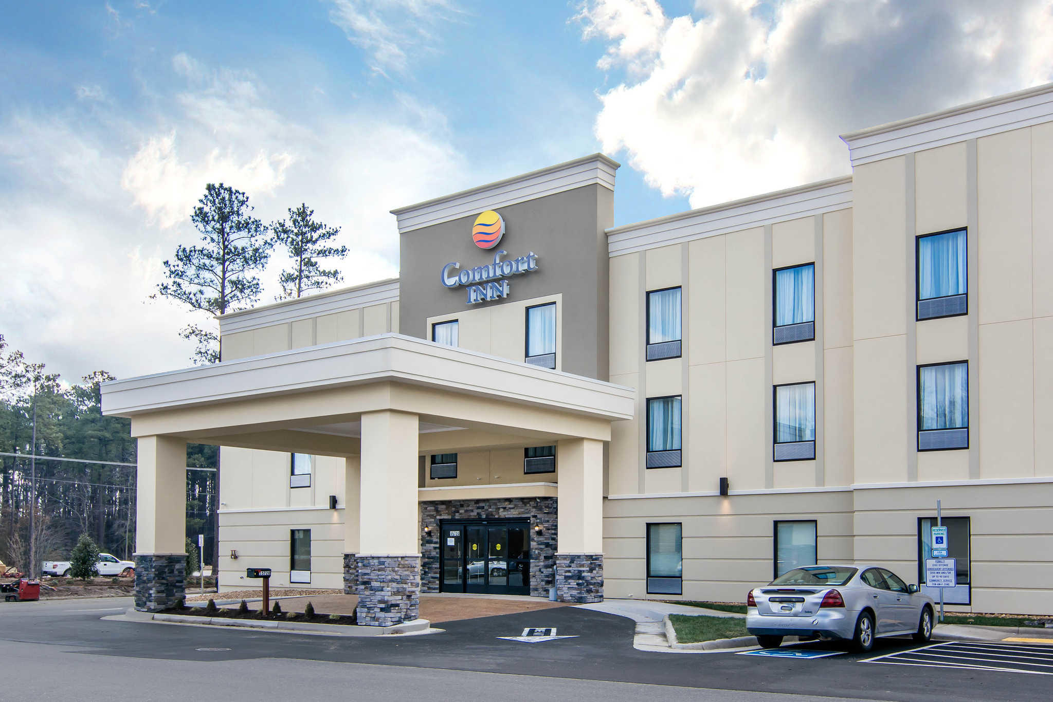 Comfort Inn South Chesterfield - Colonial Heights image 0