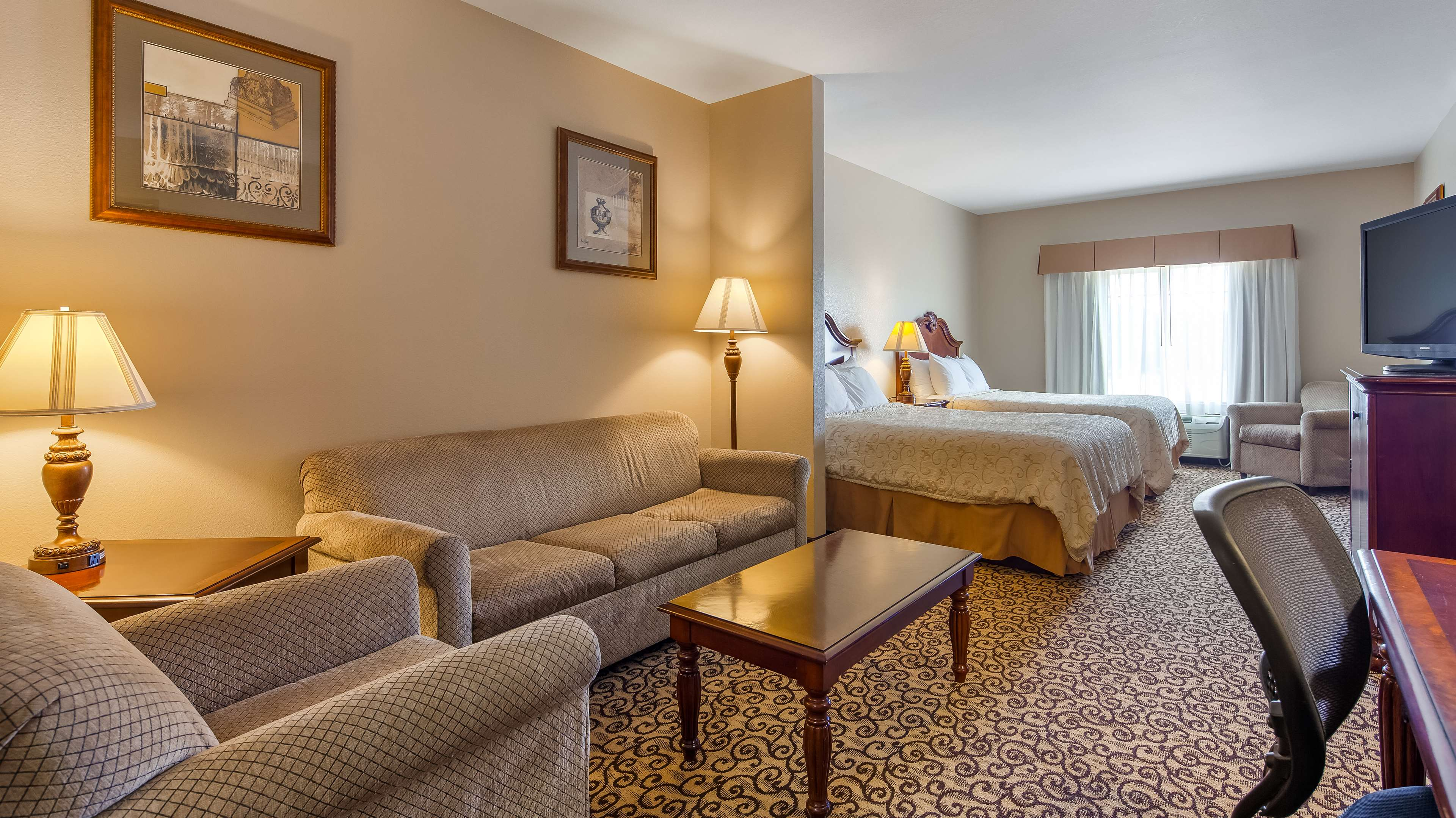 Best Western Plus Fossil Country Inn & Suites image 7